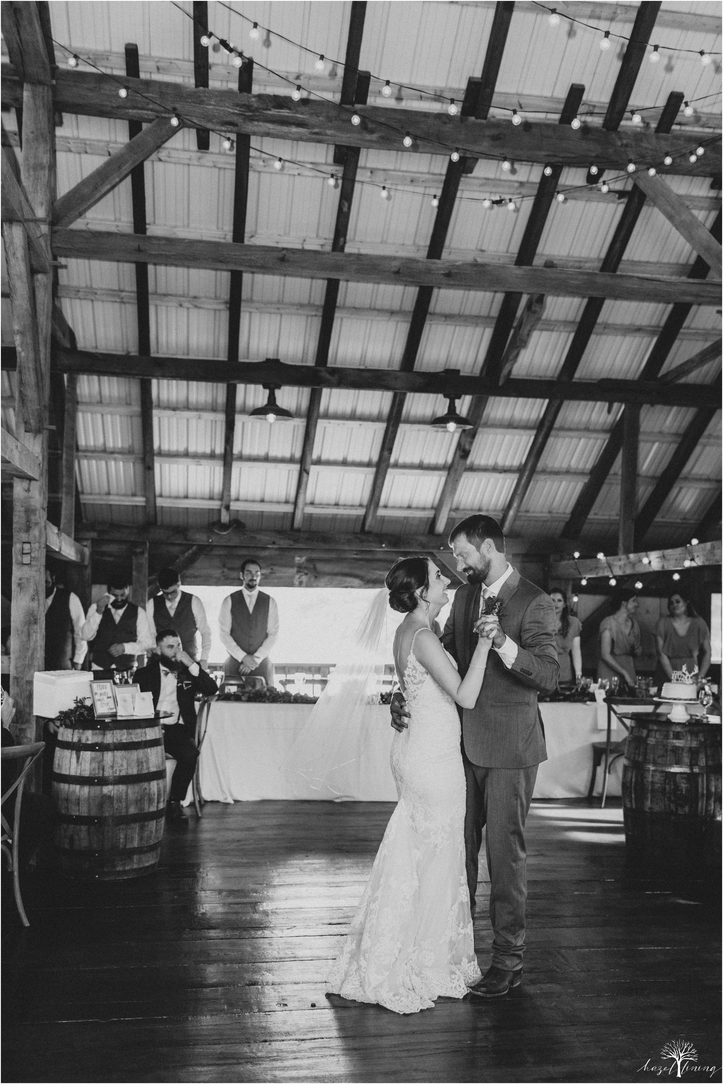 hazel-lining-travel-wedding-elopement-photography-lisa-landon-shoemaker-the-farm-bakery-and-events-bucks-county-quakertown-pennsylvania-summer-country-outdoor-farm-wedding_0115.jpg