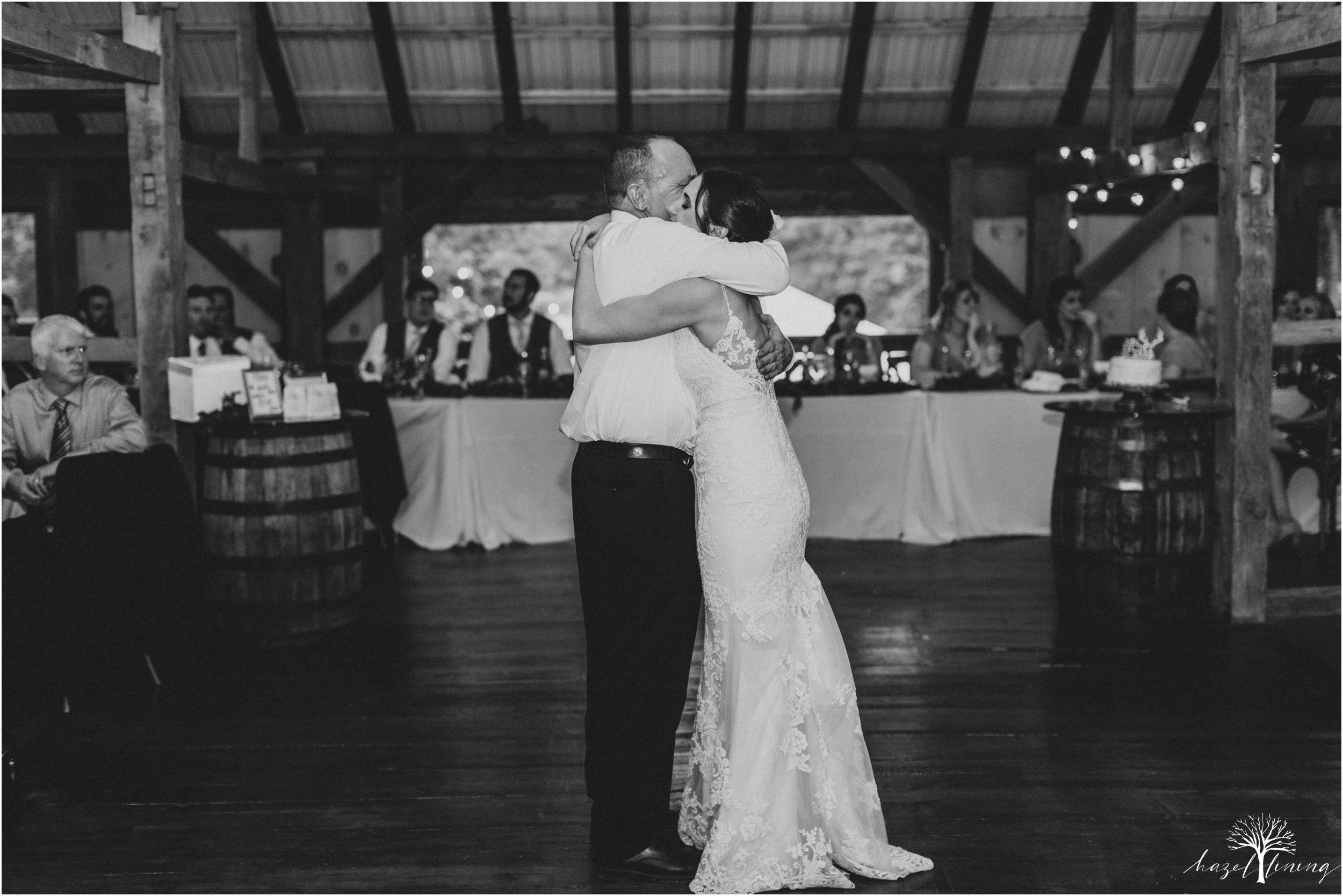 hazel-lining-travel-wedding-elopement-photography-lisa-landon-shoemaker-the-farm-bakery-and-events-bucks-county-quakertown-pennsylvania-summer-country-outdoor-farm-wedding_0128.jpg