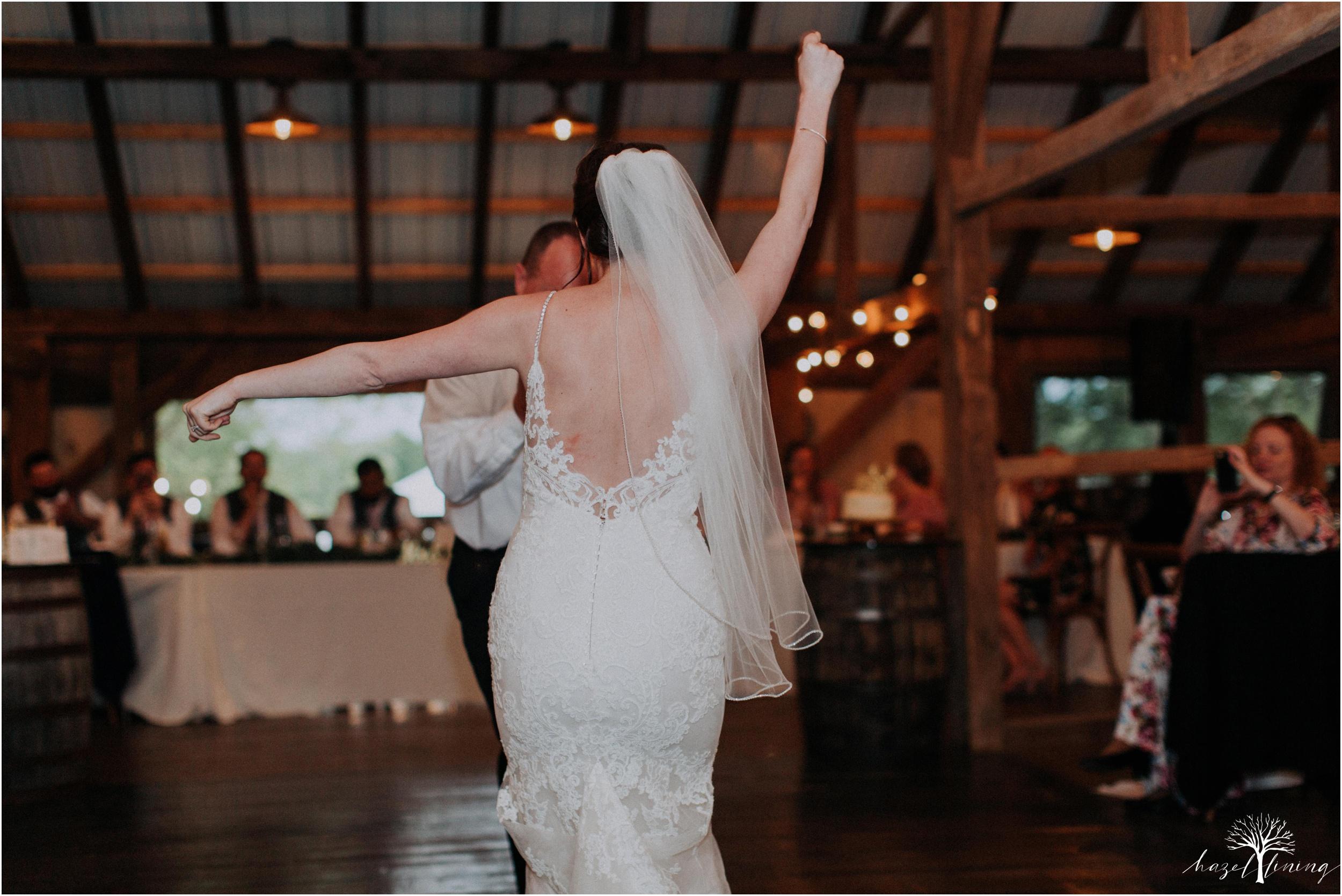 hazel-lining-travel-wedding-elopement-photography-lisa-landon-shoemaker-the-farm-bakery-and-events-bucks-county-quakertown-pennsylvania-summer-country-outdoor-farm-wedding_0130.jpg