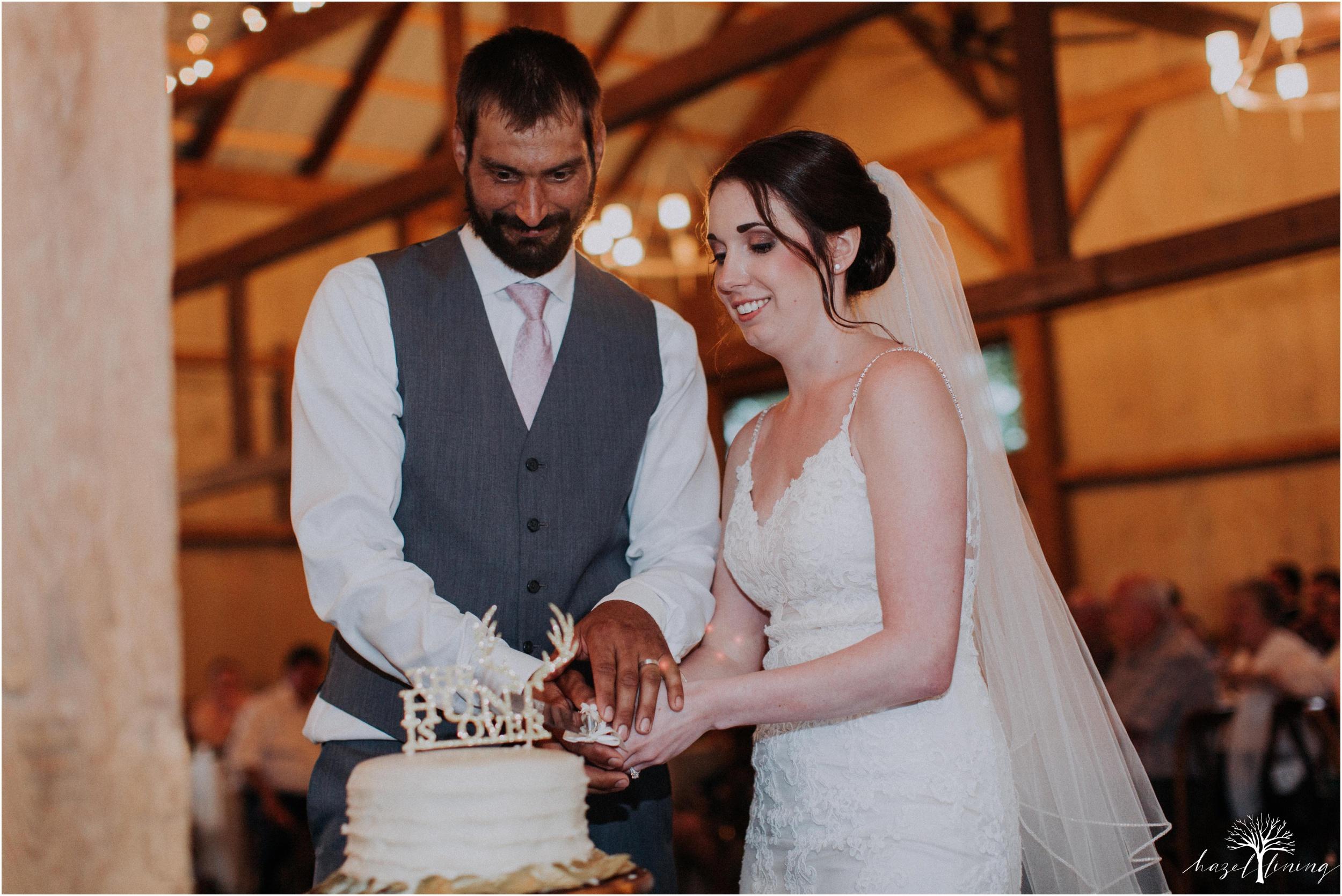 hazel-lining-travel-wedding-elopement-photography-lisa-landon-shoemaker-the-farm-bakery-and-events-bucks-county-quakertown-pennsylvania-summer-country-outdoor-farm-wedding_0141.jpg