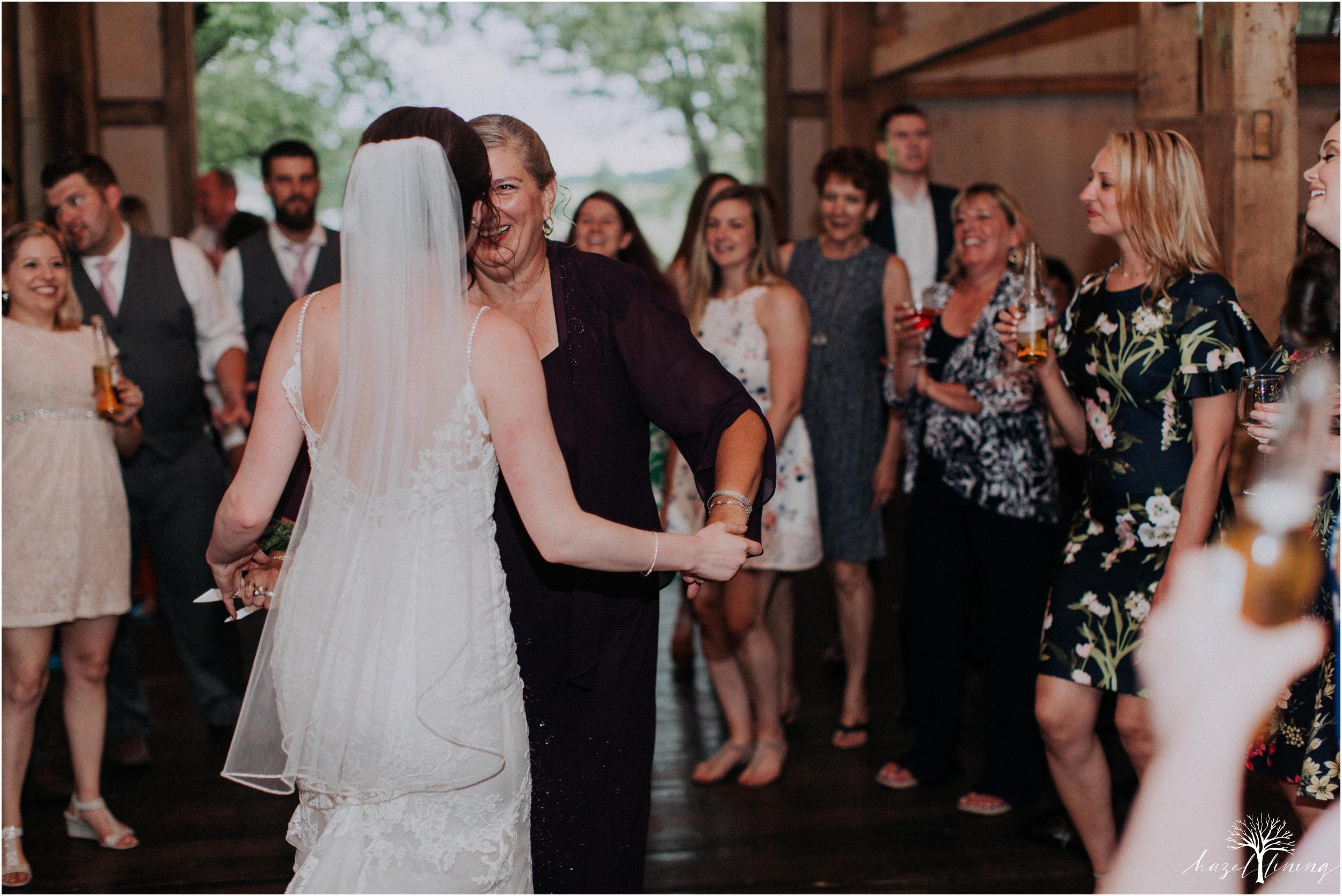 hazel-lining-travel-wedding-elopement-photography-lisa-landon-shoemaker-the-farm-bakery-and-events-bucks-county-quakertown-pennsylvania-summer-country-outdoor-farm-wedding_0154.jpg