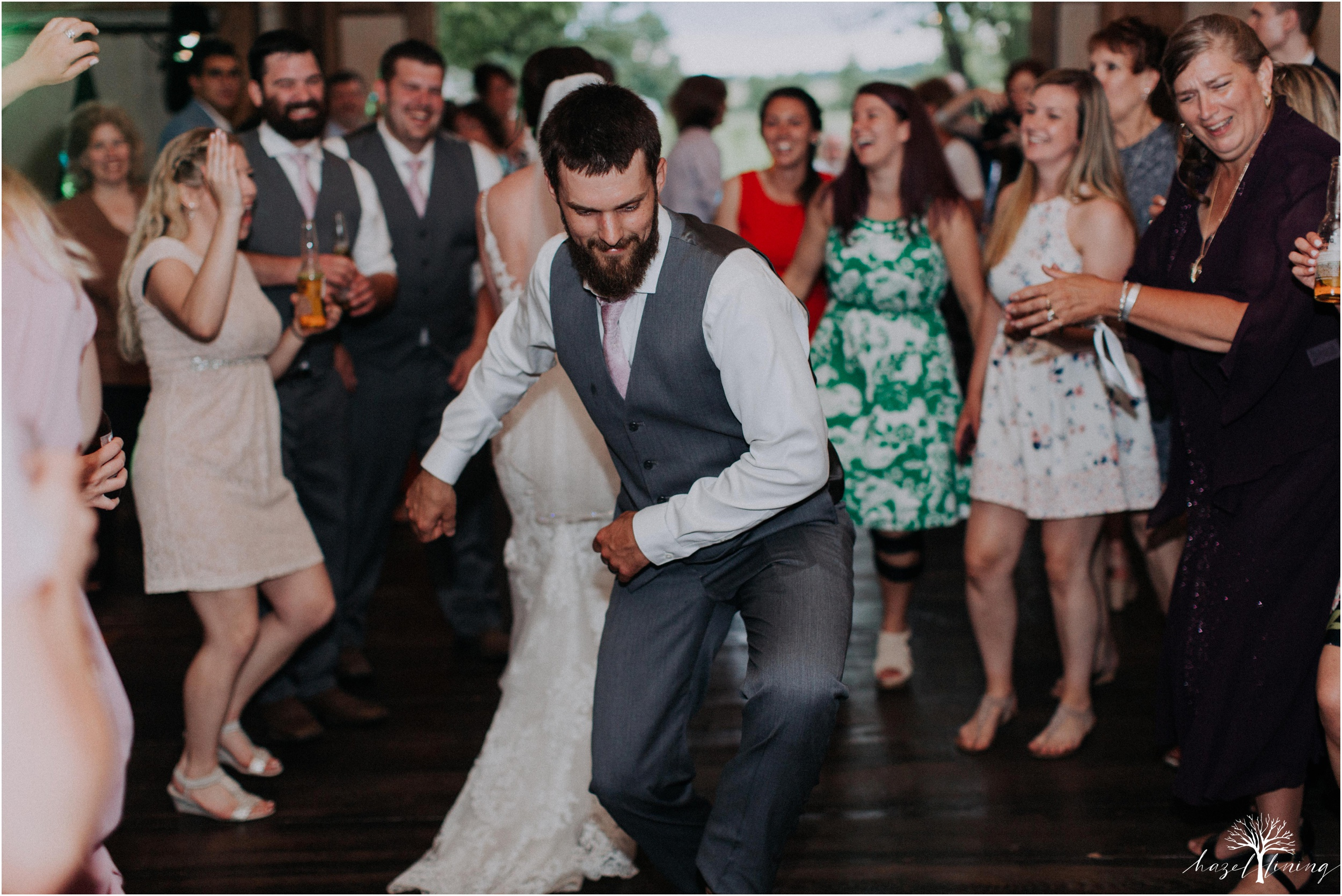 hazel-lining-travel-wedding-elopement-photography-lisa-landon-shoemaker-the-farm-bakery-and-events-bucks-county-quakertown-pennsylvania-summer-country-outdoor-farm-wedding_0155.jpg