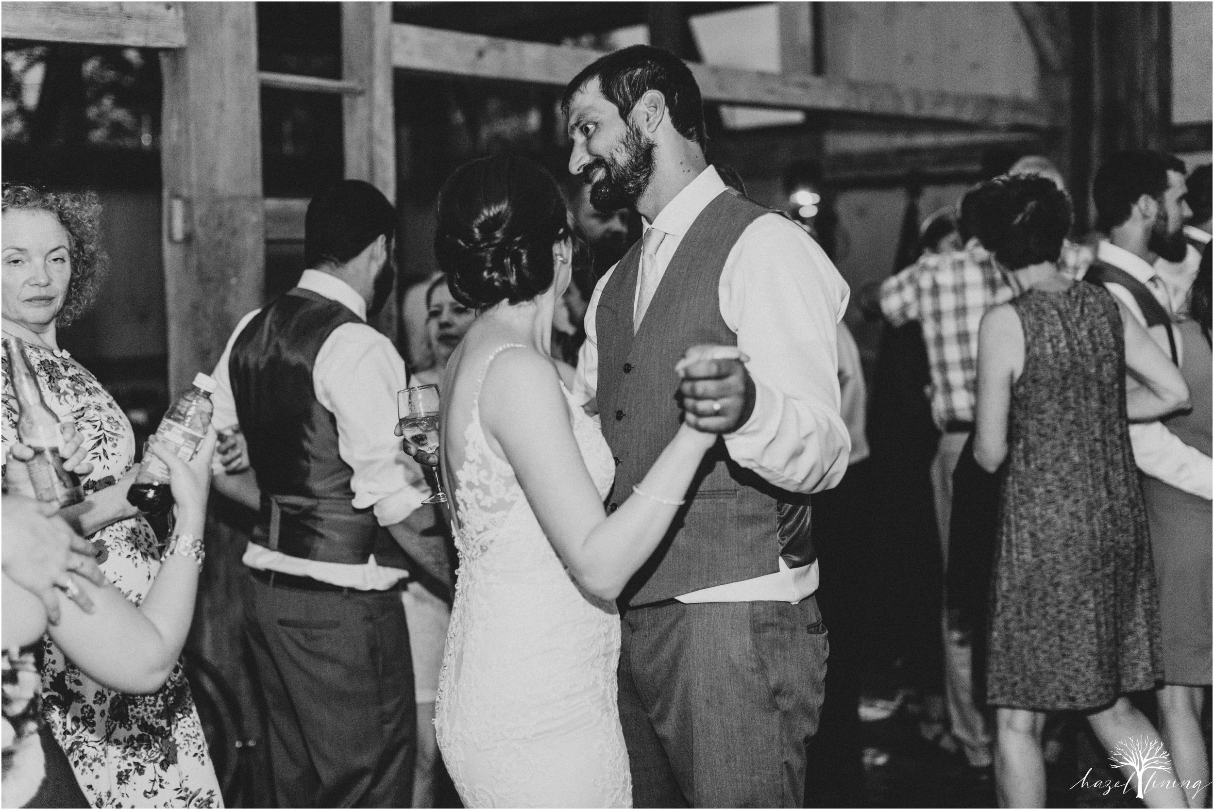hazel-lining-travel-wedding-elopement-photography-lisa-landon-shoemaker-the-farm-bakery-and-events-bucks-county-quakertown-pennsylvania-summer-country-outdoor-farm-wedding_0174.jpg