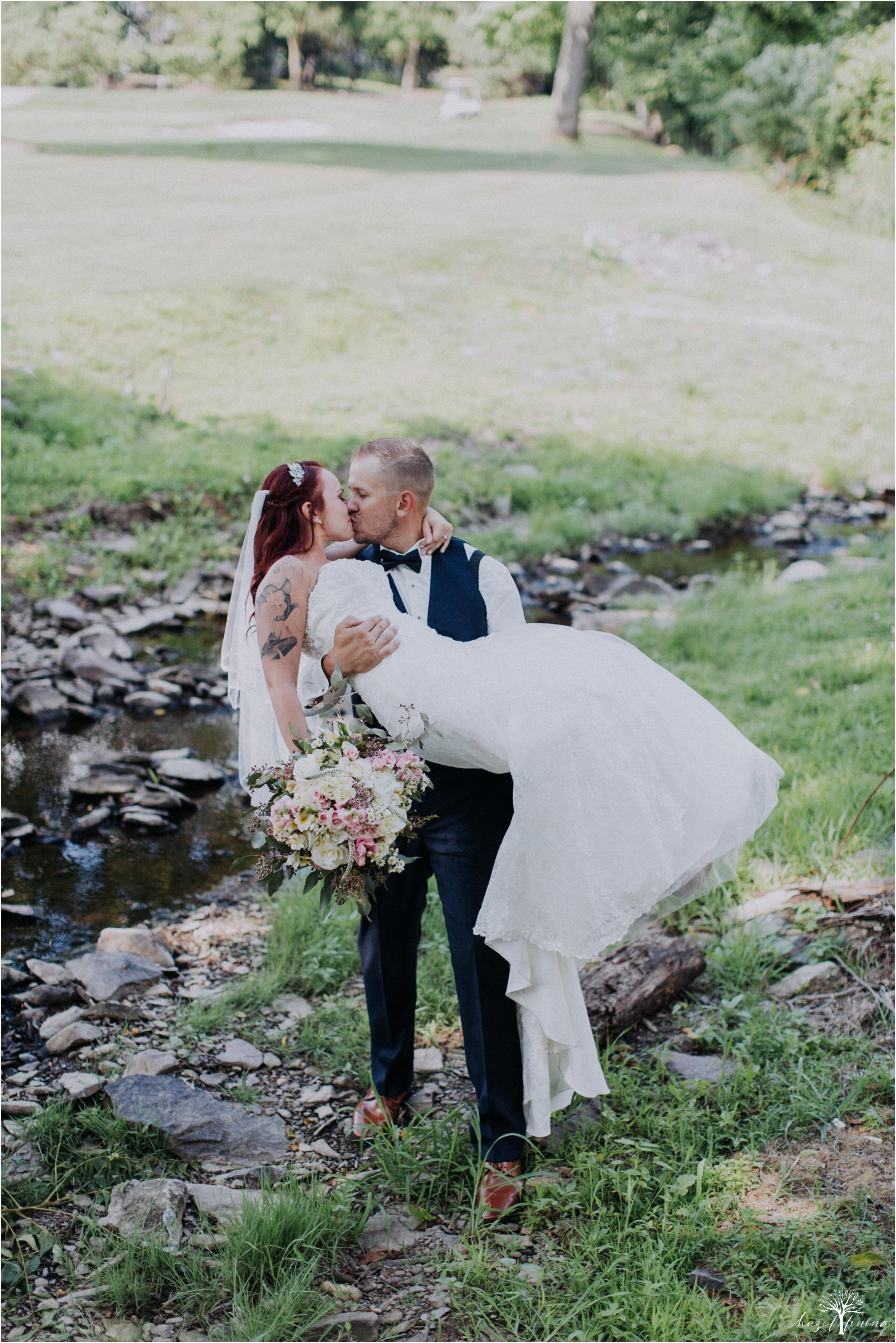 alyssa-james-stiteler-wedding-loft-and-sweet-water-cc-pennsburg-pennsylvania-hazel-lining-travel-wedding-elopement-photography_0094.jpg