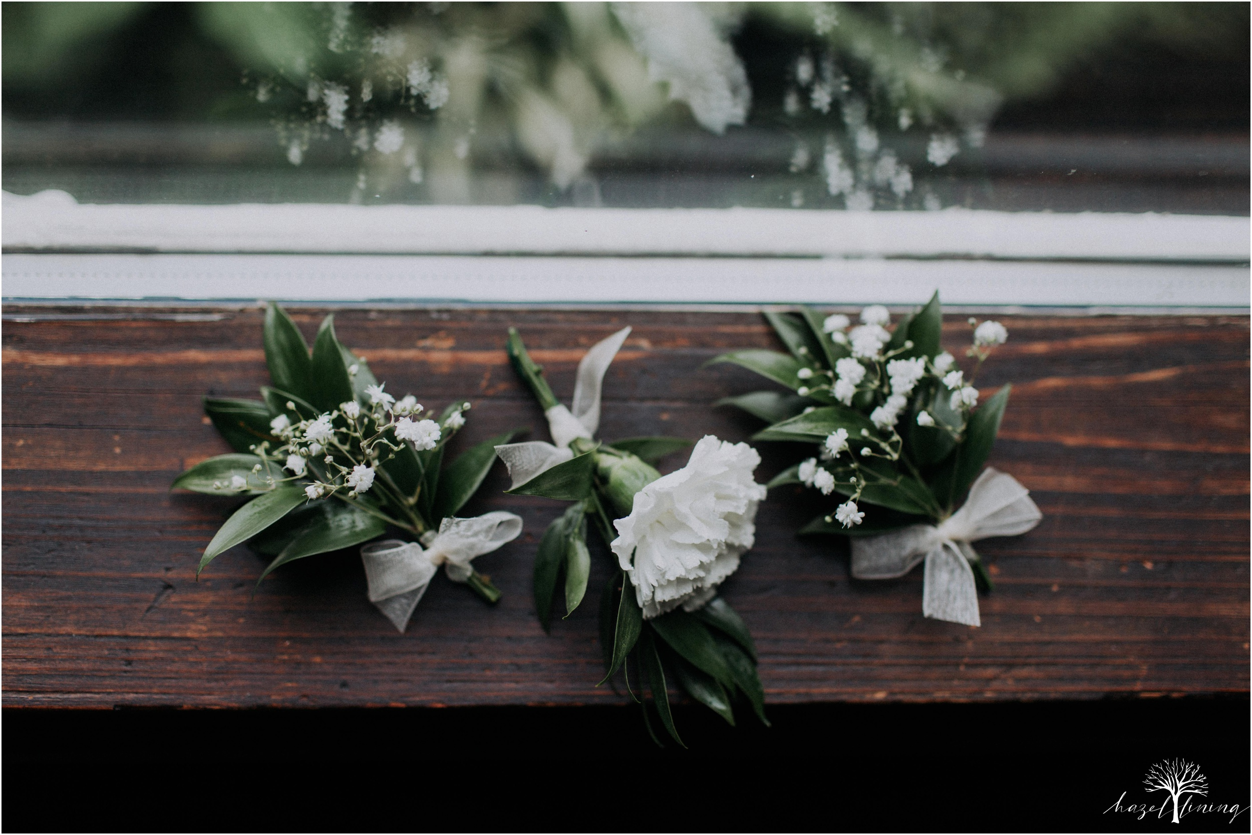 mariah-kreyling-samuel-sherratt-sherrattwiththeworld-peirce-farm-at-witch-hill-boston-massachusetts-wedding-photography-hazel-lining-travel-wedding-elopement-photography_0018.jpg