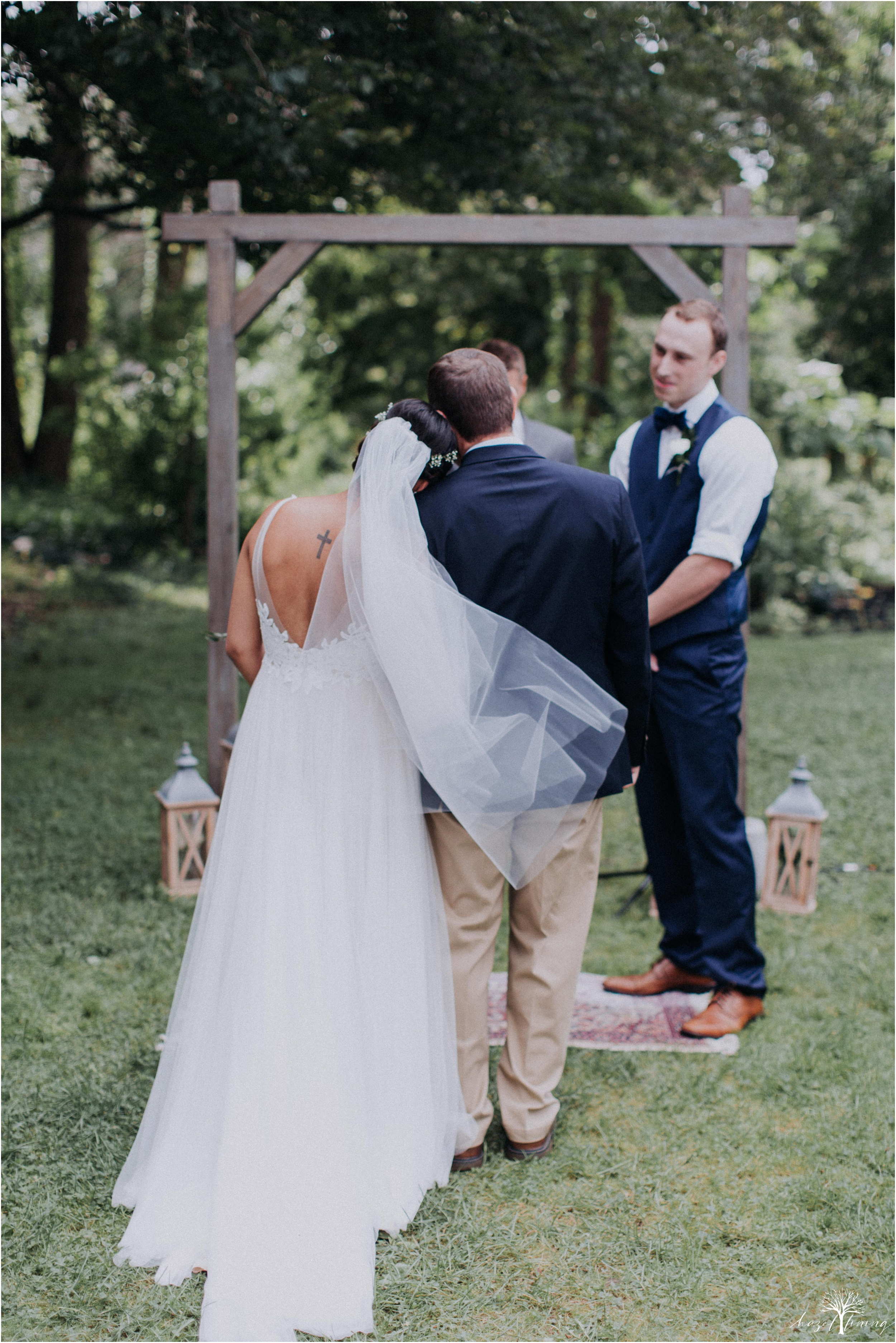 mariah-kreyling-samuel-sherratt-sherrattwiththeworld-peirce-farm-at-witch-hill-boston-massachusetts-wedding-photography-hazel-lining-travel-wedding-elopement-photography_0080.jpg