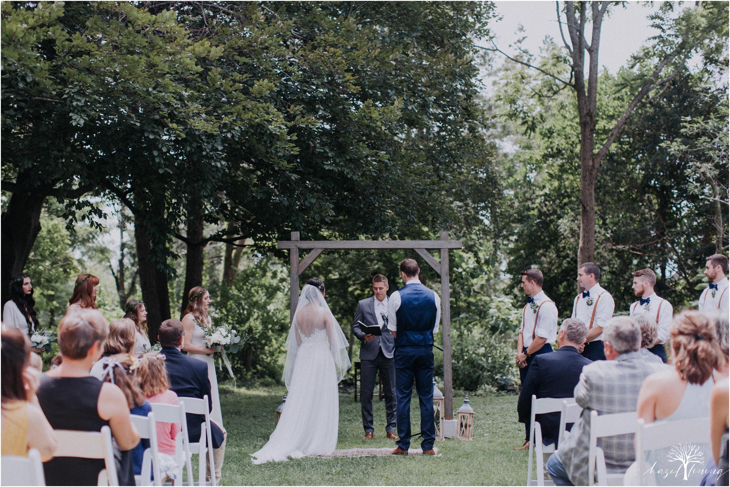 mariah-kreyling-samuel-sherratt-sherrattwiththeworld-peirce-farm-at-witch-hill-boston-massachusetts-wedding-photography-hazel-lining-travel-wedding-elopement-photography_0082.jpg