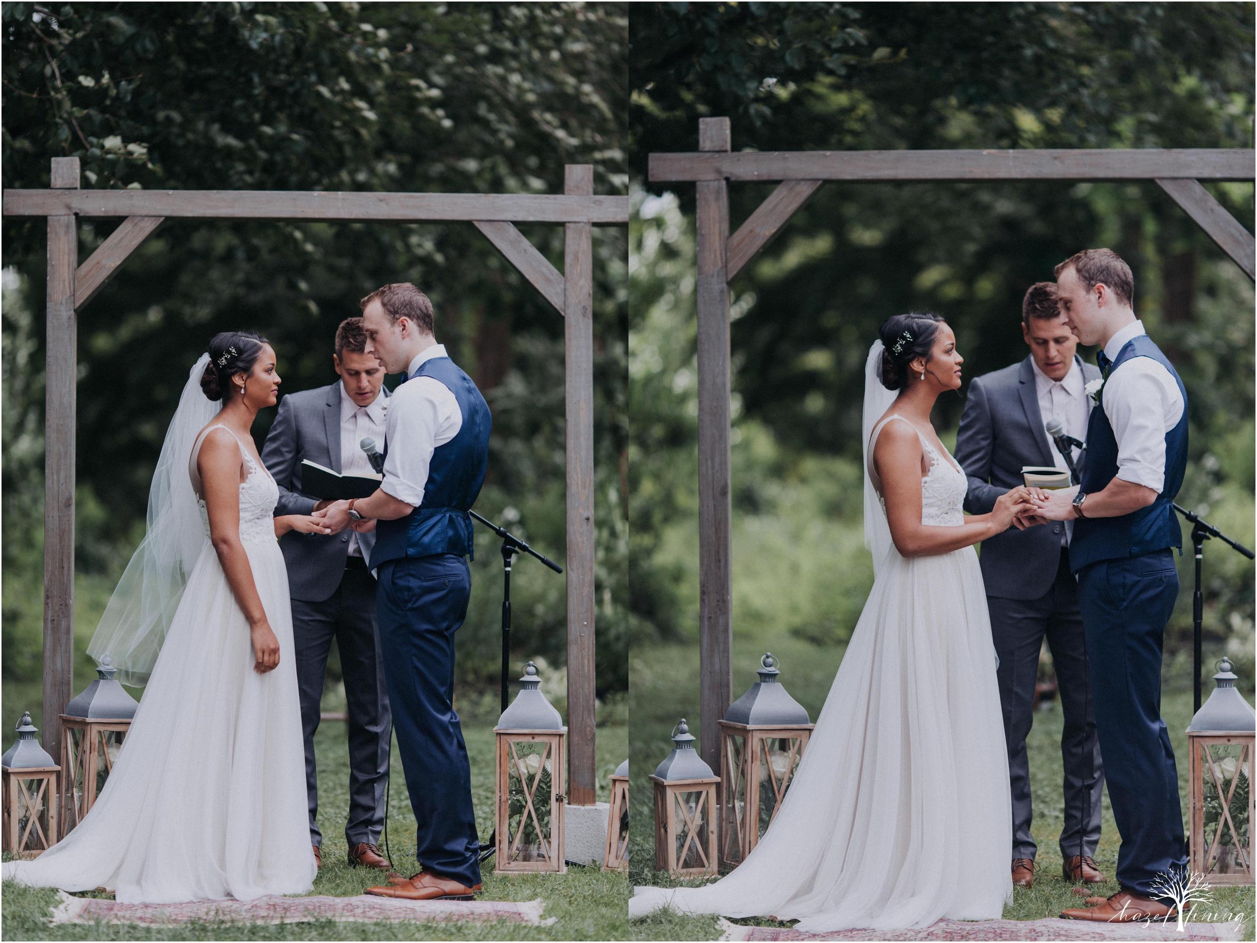 mariah-kreyling-samuel-sherratt-sherrattwiththeworld-peirce-farm-at-witch-hill-boston-massachusetts-wedding-photography-hazel-lining-travel-wedding-elopement-photography_0088.jpg