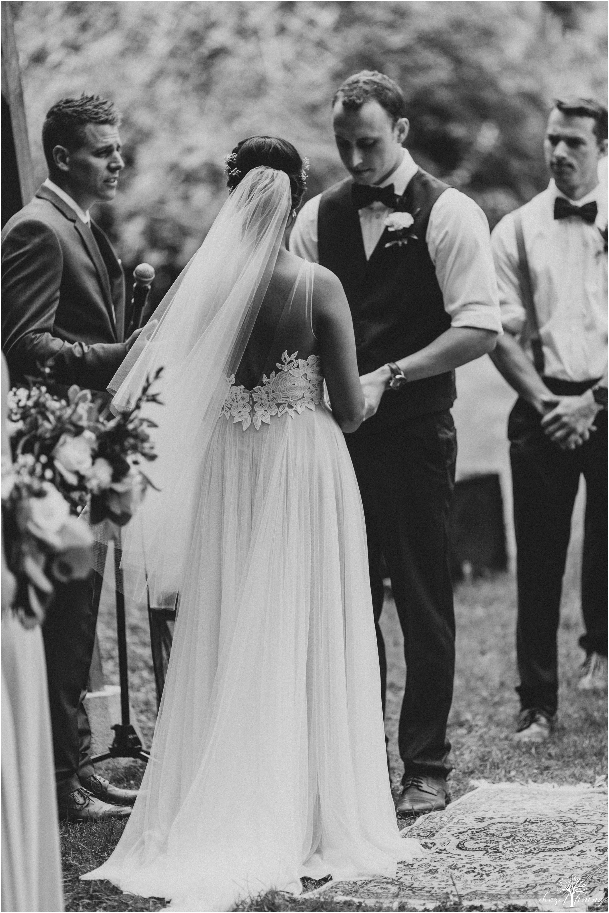 mariah-kreyling-samuel-sherratt-sherrattwiththeworld-peirce-farm-at-witch-hill-boston-massachusetts-wedding-photography-hazel-lining-travel-wedding-elopement-photography_0092.jpg