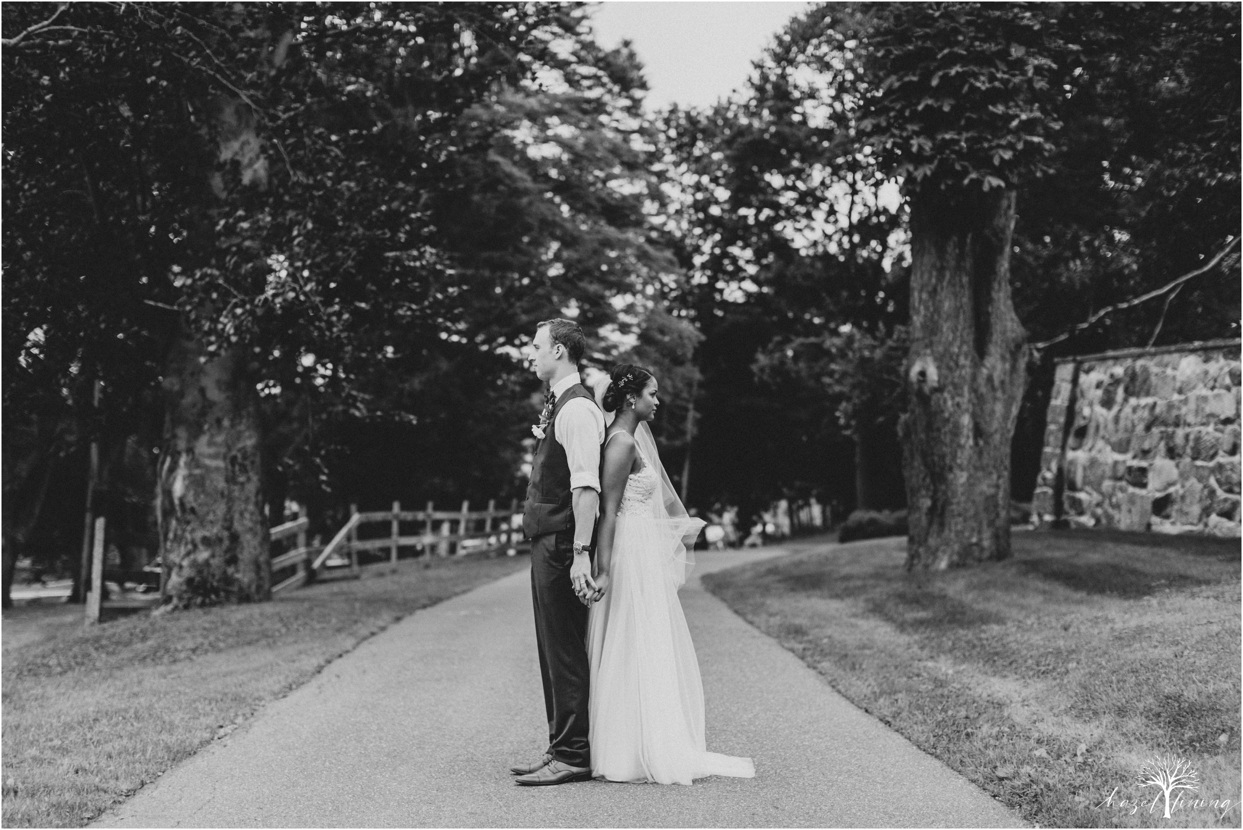 mariah-kreyling-samuel-sherratt-sherrattwiththeworld-peirce-farm-at-witch-hill-boston-massachusetts-wedding-photography-hazel-lining-travel-wedding-elopement-photography_0134.jpg