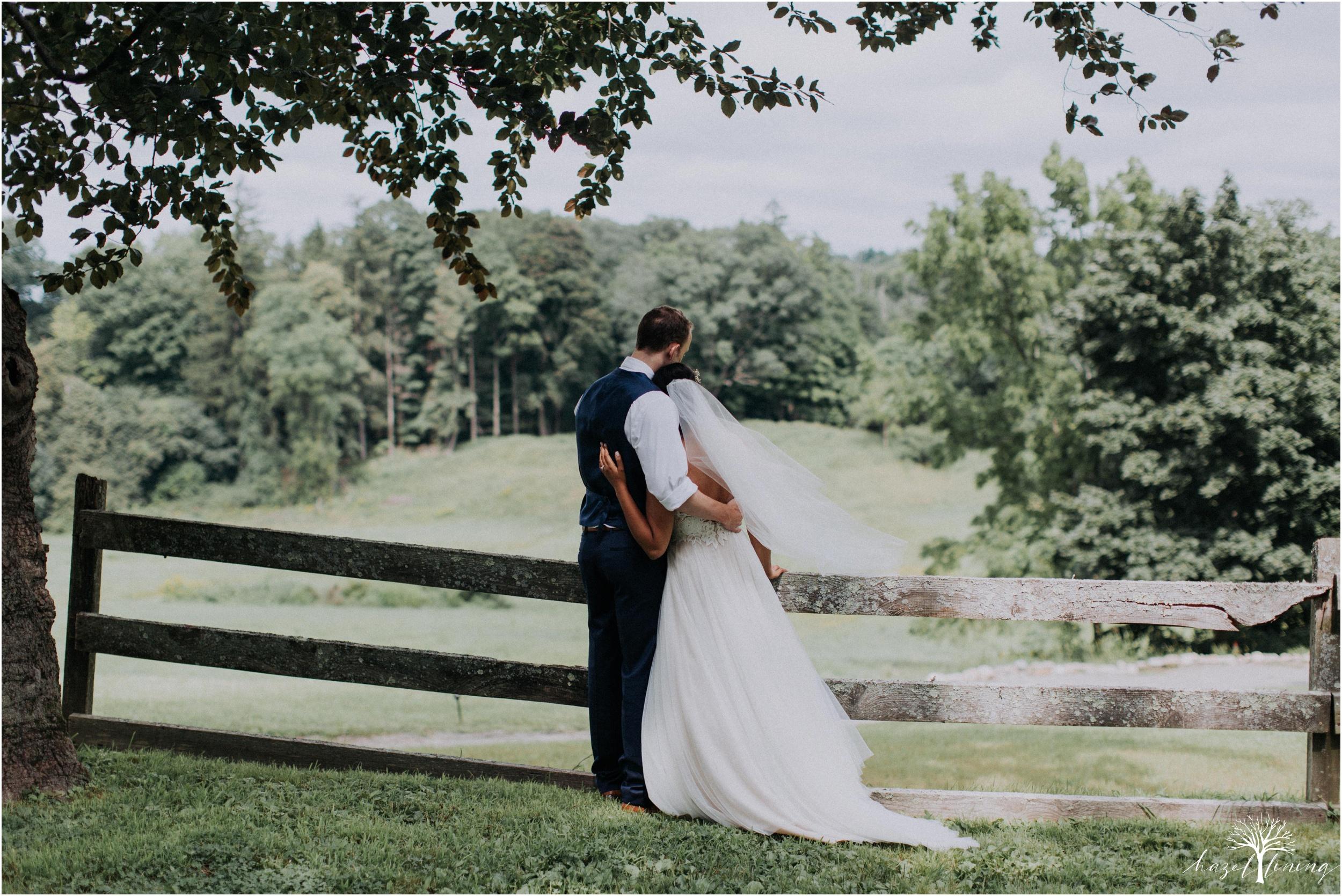 mariah-kreyling-samuel-sherratt-sherrattwiththeworld-peirce-farm-at-witch-hill-boston-massachusetts-wedding-photography-hazel-lining-travel-wedding-elopement-photography_0144.jpg