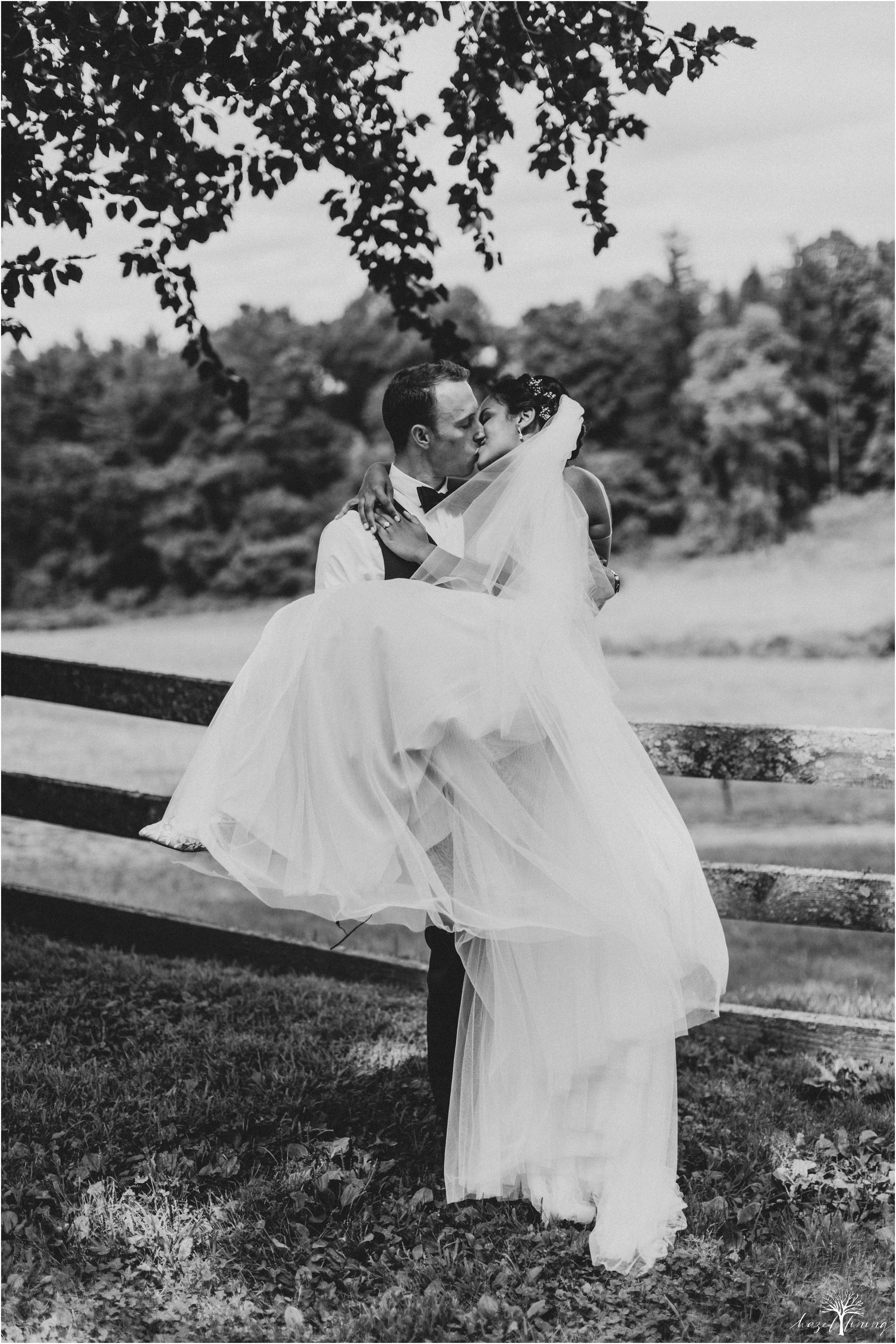 mariah-kreyling-samuel-sherratt-sherrattwiththeworld-peirce-farm-at-witch-hill-boston-massachusetts-wedding-photography-hazel-lining-travel-wedding-elopement-photography_0148.jpg