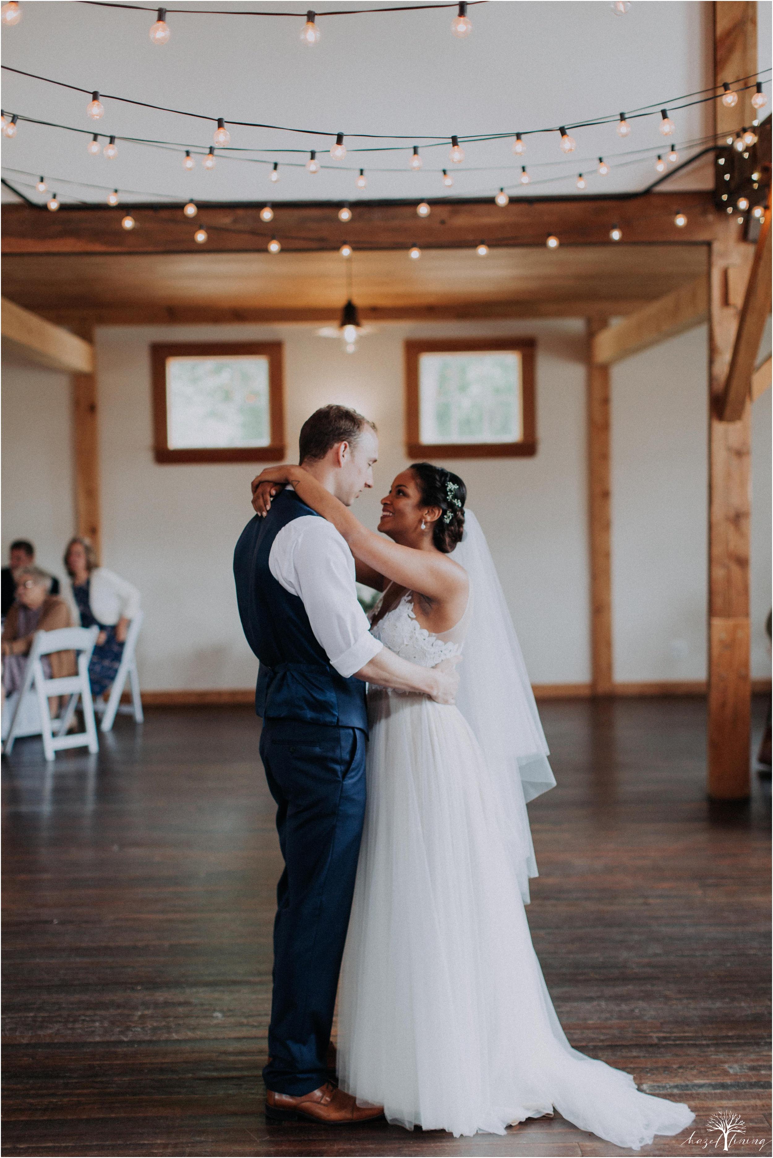mariah-kreyling-samuel-sherratt-sherrattwiththeworld-peirce-farm-at-witch-hill-boston-massachusetts-wedding-photography-hazel-lining-travel-wedding-elopement-photography_0159.jpg