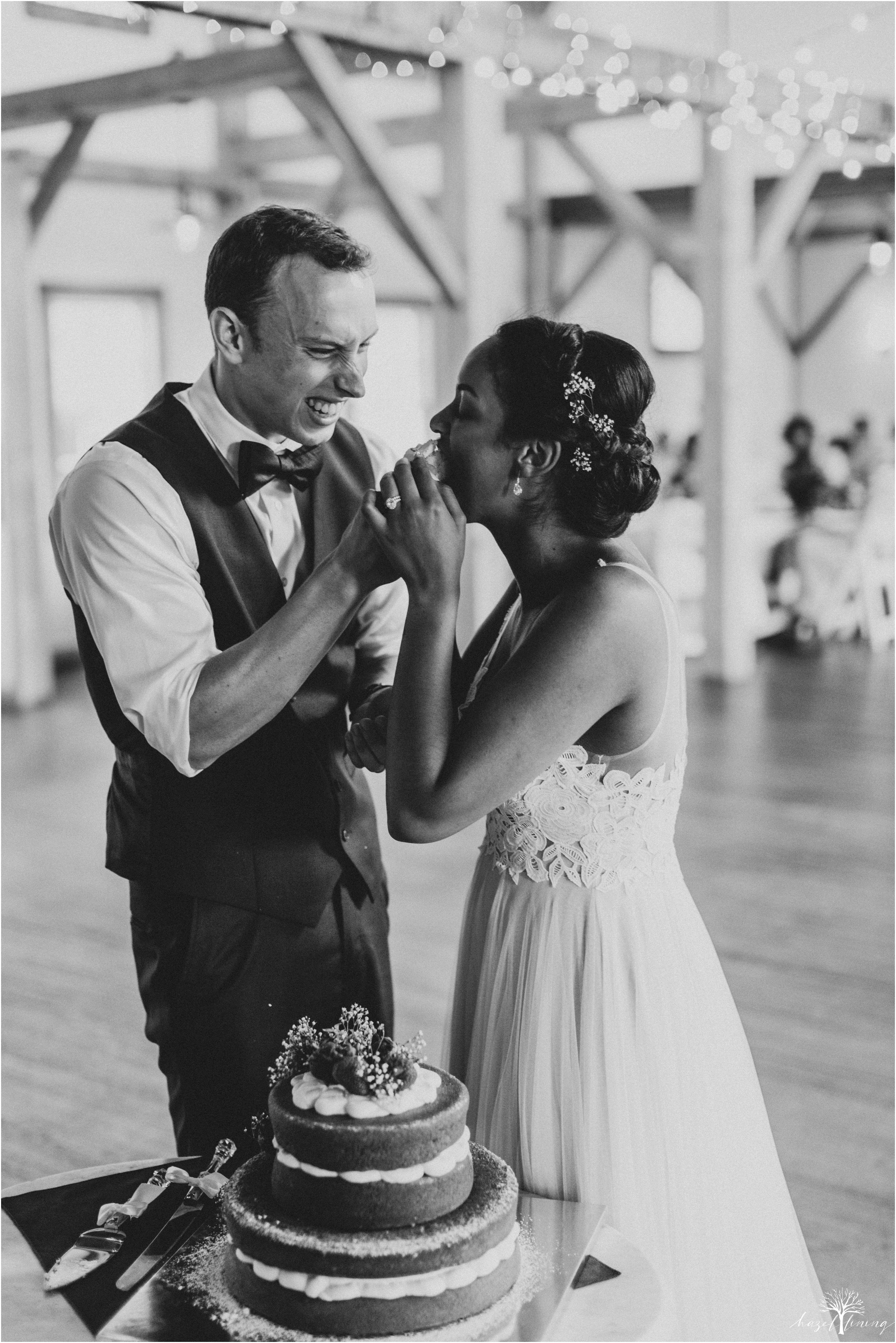 mariah-kreyling-samuel-sherratt-sherrattwiththeworld-peirce-farm-at-witch-hill-boston-massachusetts-wedding-photography-hazel-lining-travel-wedding-elopement-photography_0177.jpg