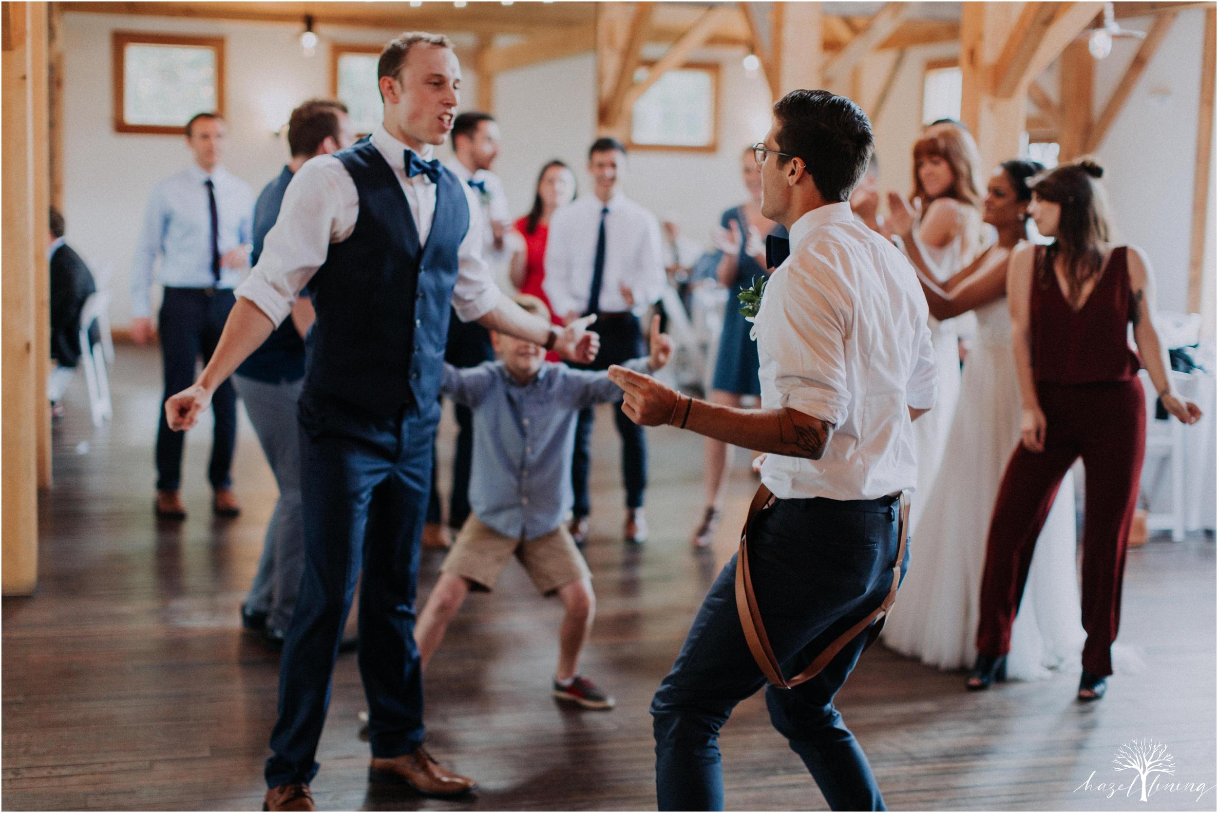 mariah-kreyling-samuel-sherratt-sherrattwiththeworld-peirce-farm-at-witch-hill-boston-massachusetts-wedding-photography-hazel-lining-travel-wedding-elopement-photography_0193.jpg