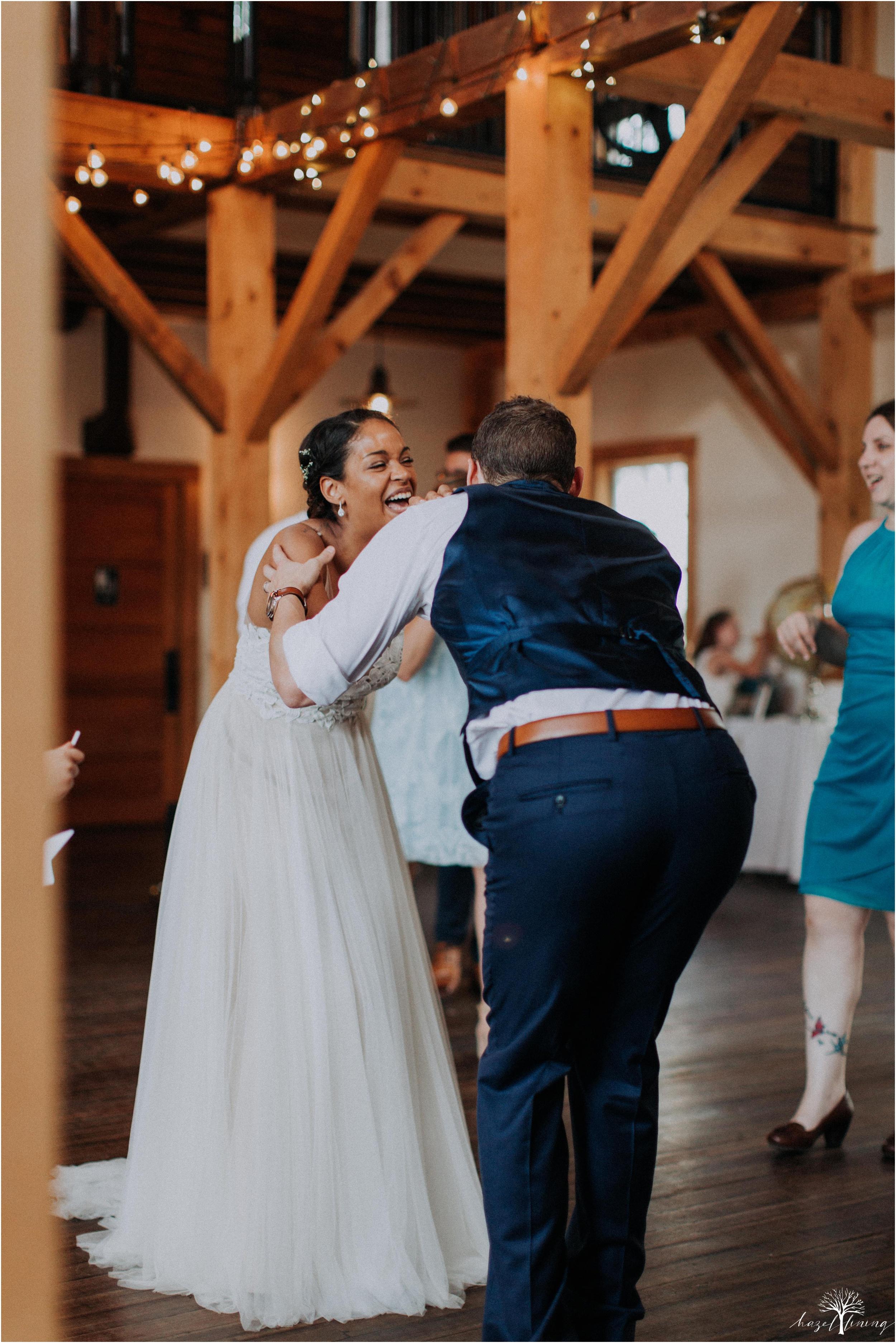 mariah-kreyling-samuel-sherratt-sherrattwiththeworld-peirce-farm-at-witch-hill-boston-massachusetts-wedding-photography-hazel-lining-travel-wedding-elopement-photography_0197.jpg