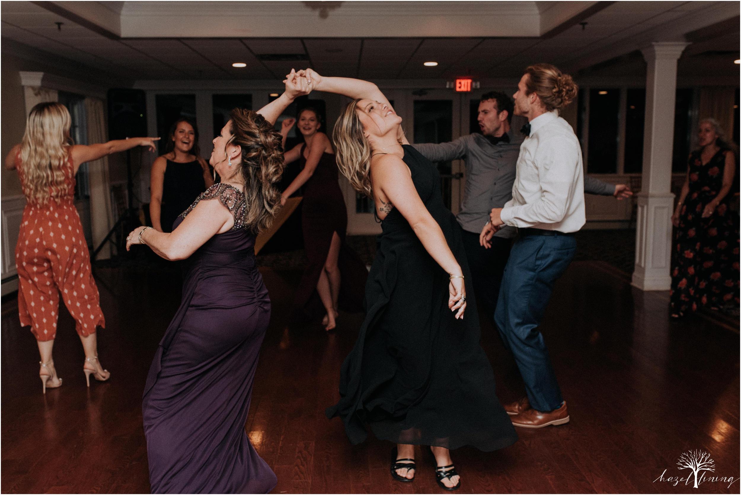 elizabeth-doelp-andrew-foreback-middletown-country-club-summer-langhorne-pennsylvania-wedding-hazel-lining-travel-wedding-elopement-photography_0147.jpg