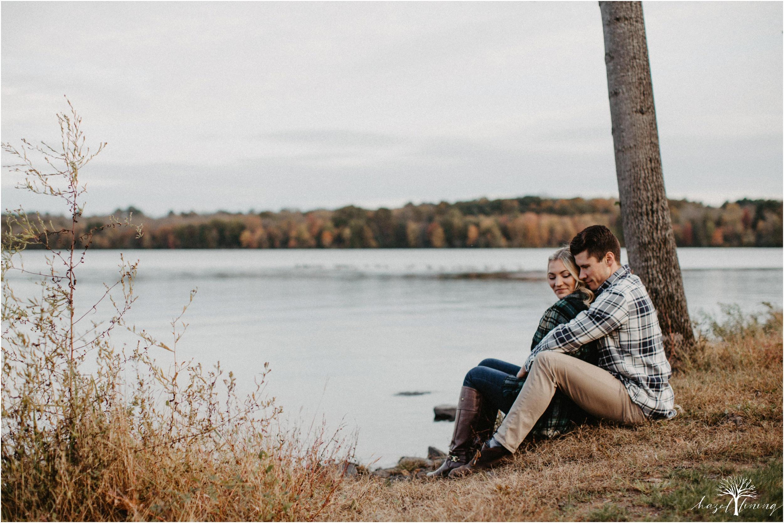 jessica-kern-david-siepietowski-lake-nockamixon-autumn-engagement-session_0033.jpg