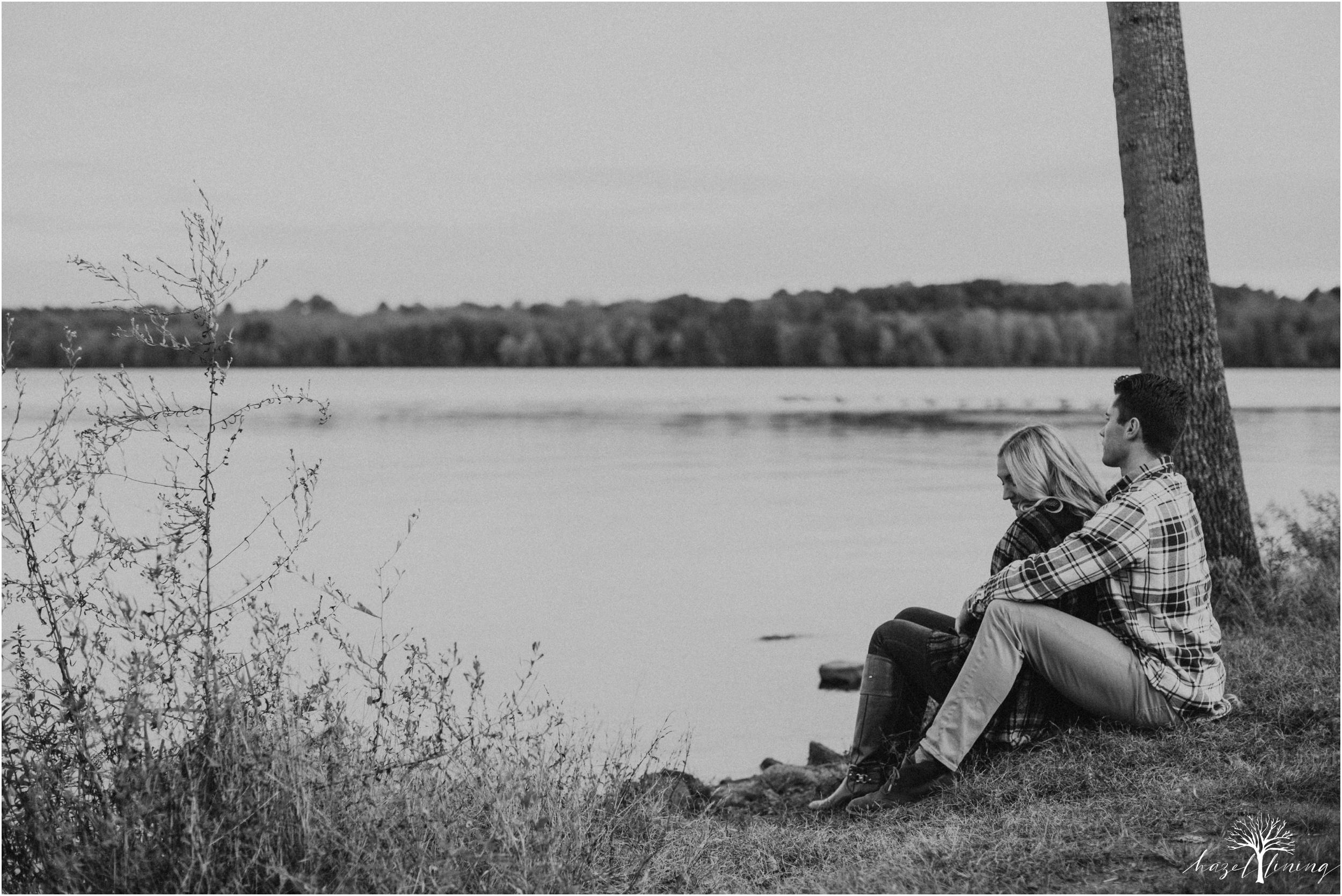 jessica-kern-david-siepietowski-lake-nockamixon-autumn-engagement-session_0035.jpg
