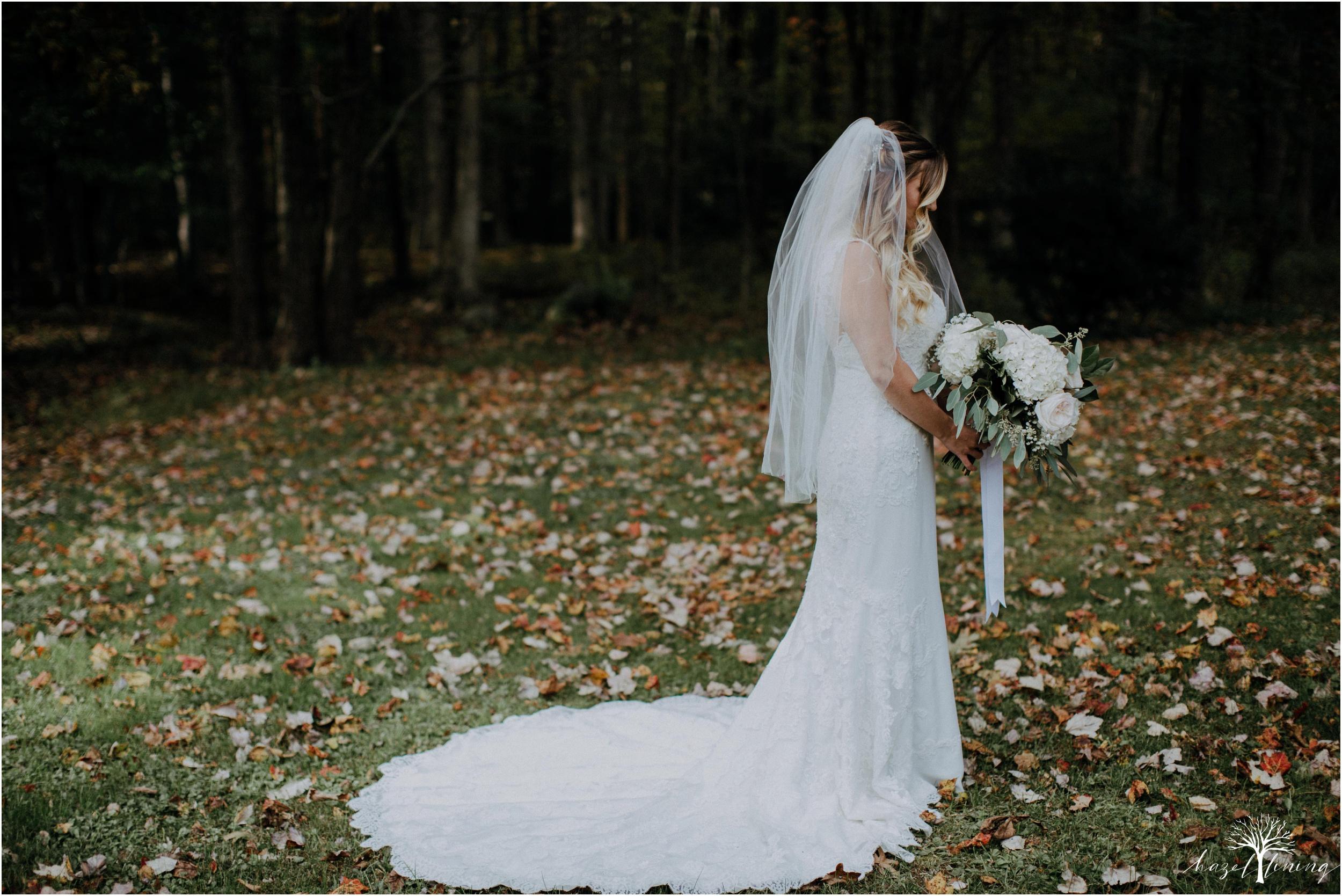 jessie-martin-zach-umlauf-olde-homestead-golfclub-outdoor-autumn-wedding_0024.jpg