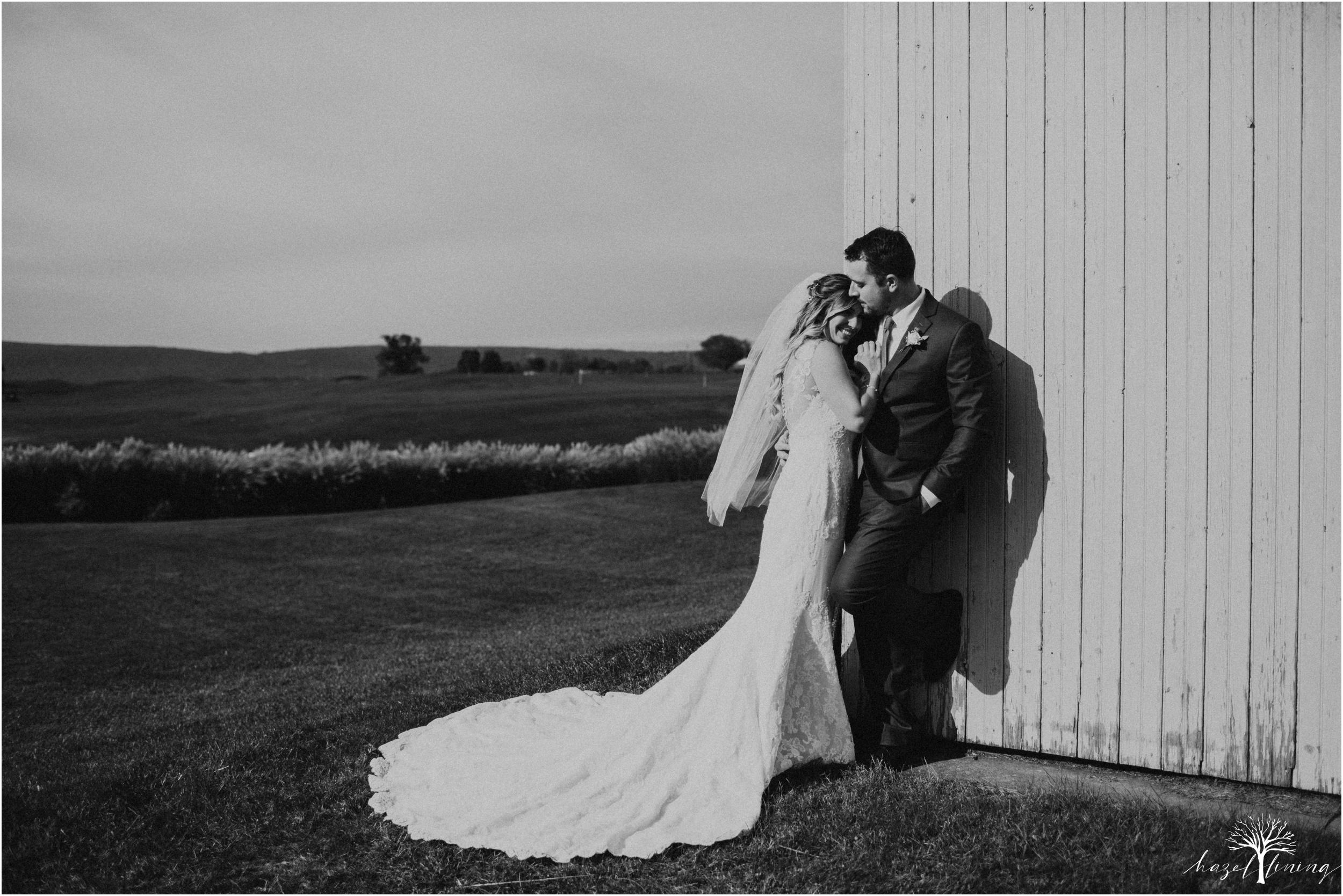 jessie-martin-zach-umlauf-olde-homestead-golfclub-outdoor-autumn-wedding_0044.jpg