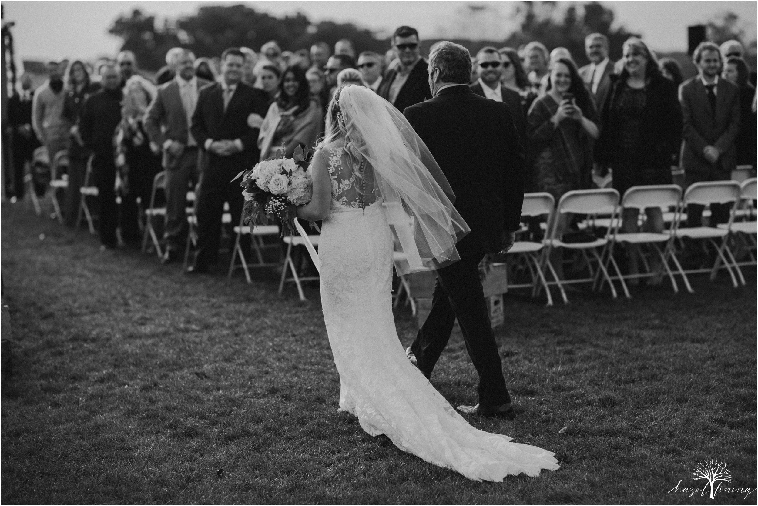 jessie-martin-zach-umlauf-olde-homestead-golfclub-outdoor-autumn-wedding_0098.jpg