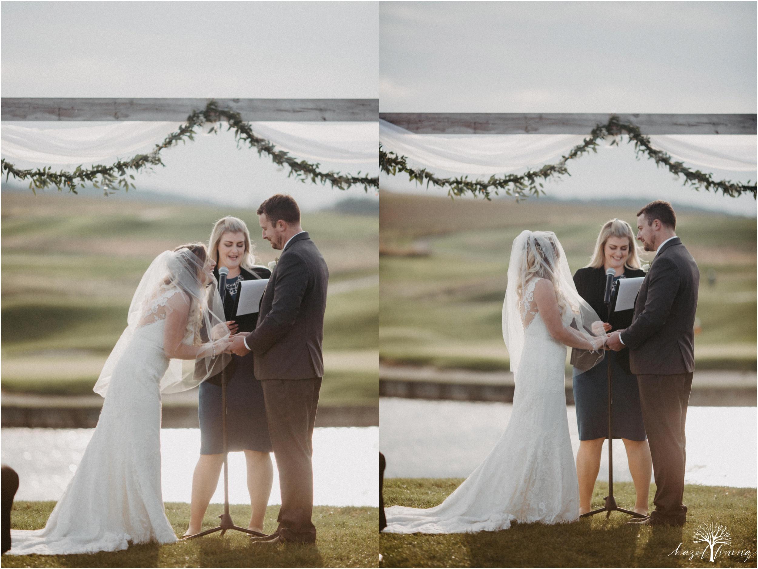jessie-martin-zach-umlauf-olde-homestead-golfclub-outdoor-autumn-wedding_0101.jpg