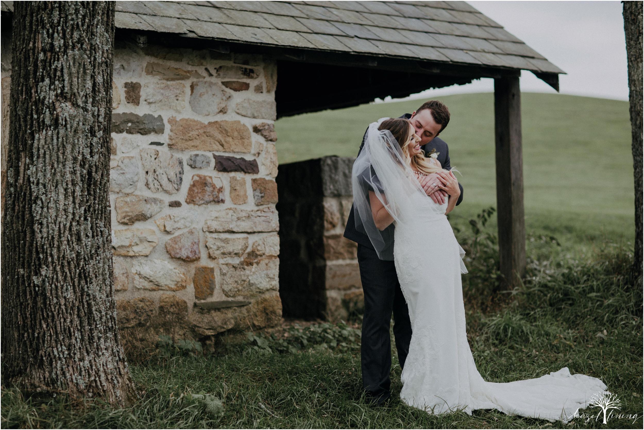 jessie-martin-zach-umlauf-olde-homestead-golfclub-outdoor-autumn-wedding_0123.jpg