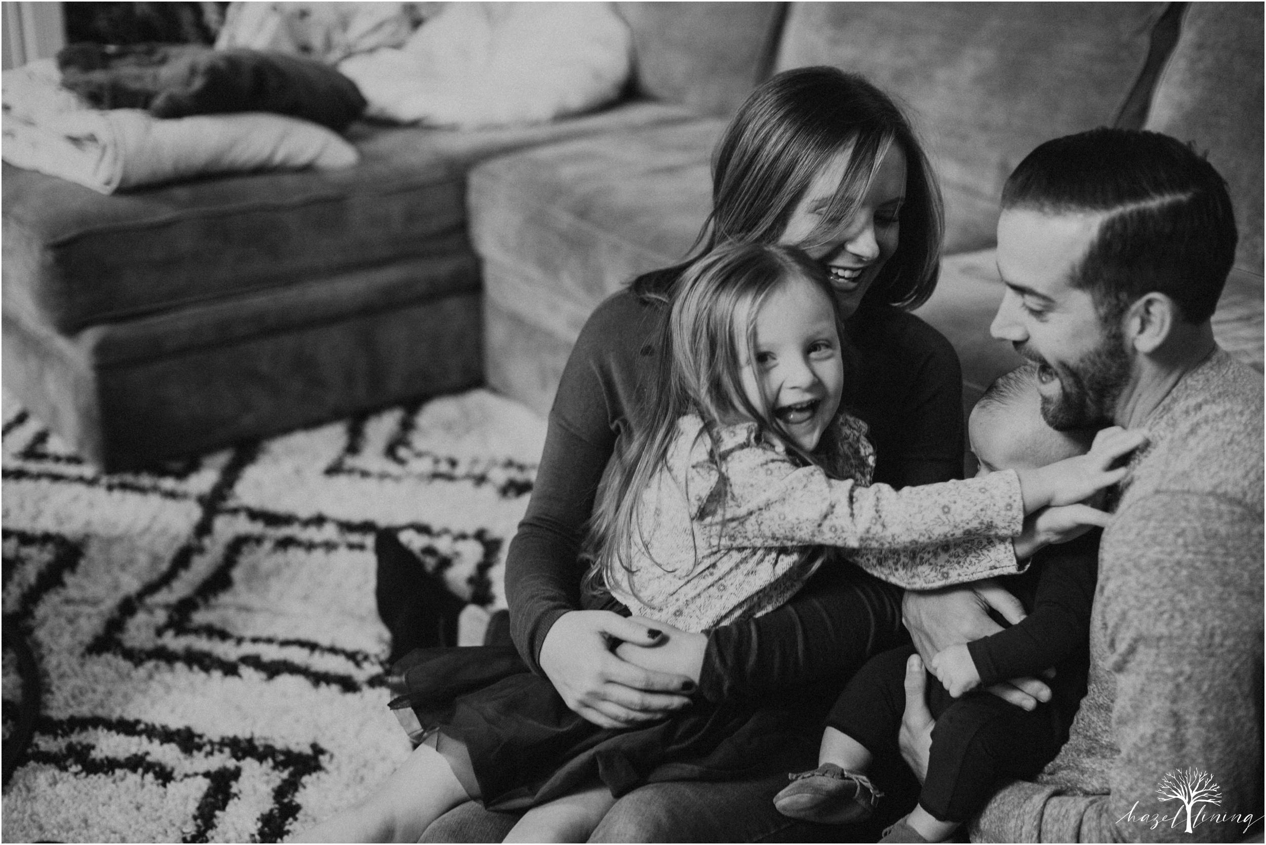 pellgrino-family-in-home-lifestyle-family-portraits_0039.jpg