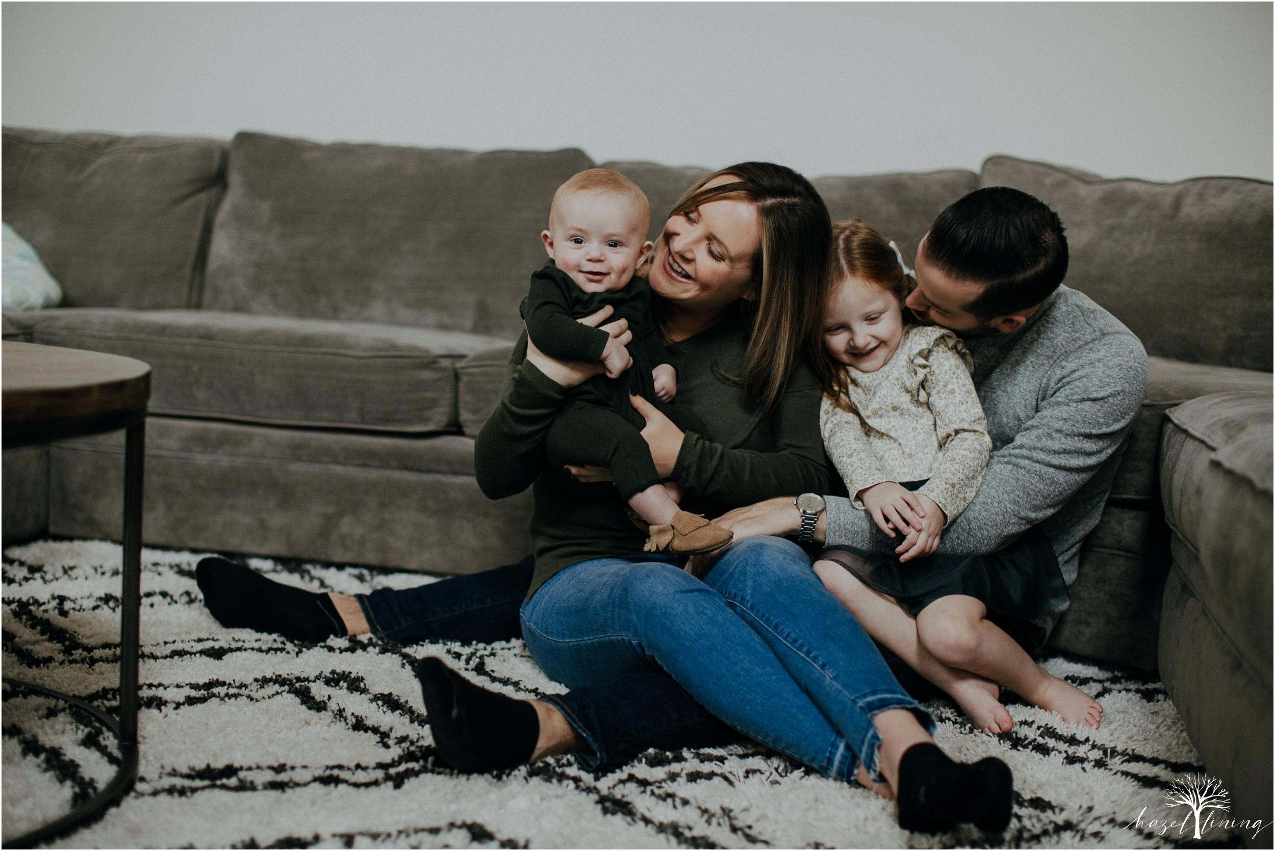pellgrino-family-in-home-lifestyle-family-portraits_0043.jpg