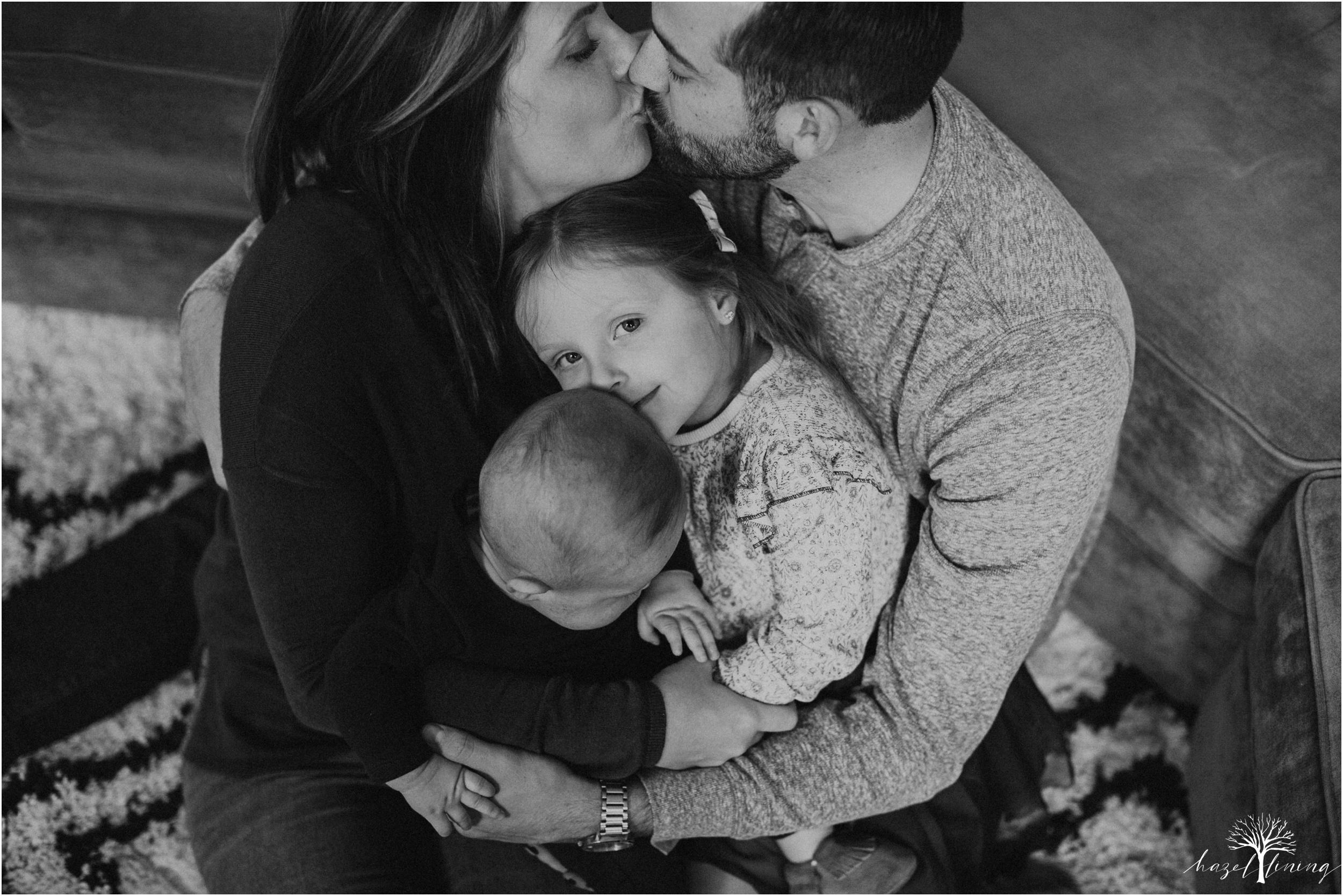 pellgrino-family-in-home-lifestyle-family-portraits_0045.jpg