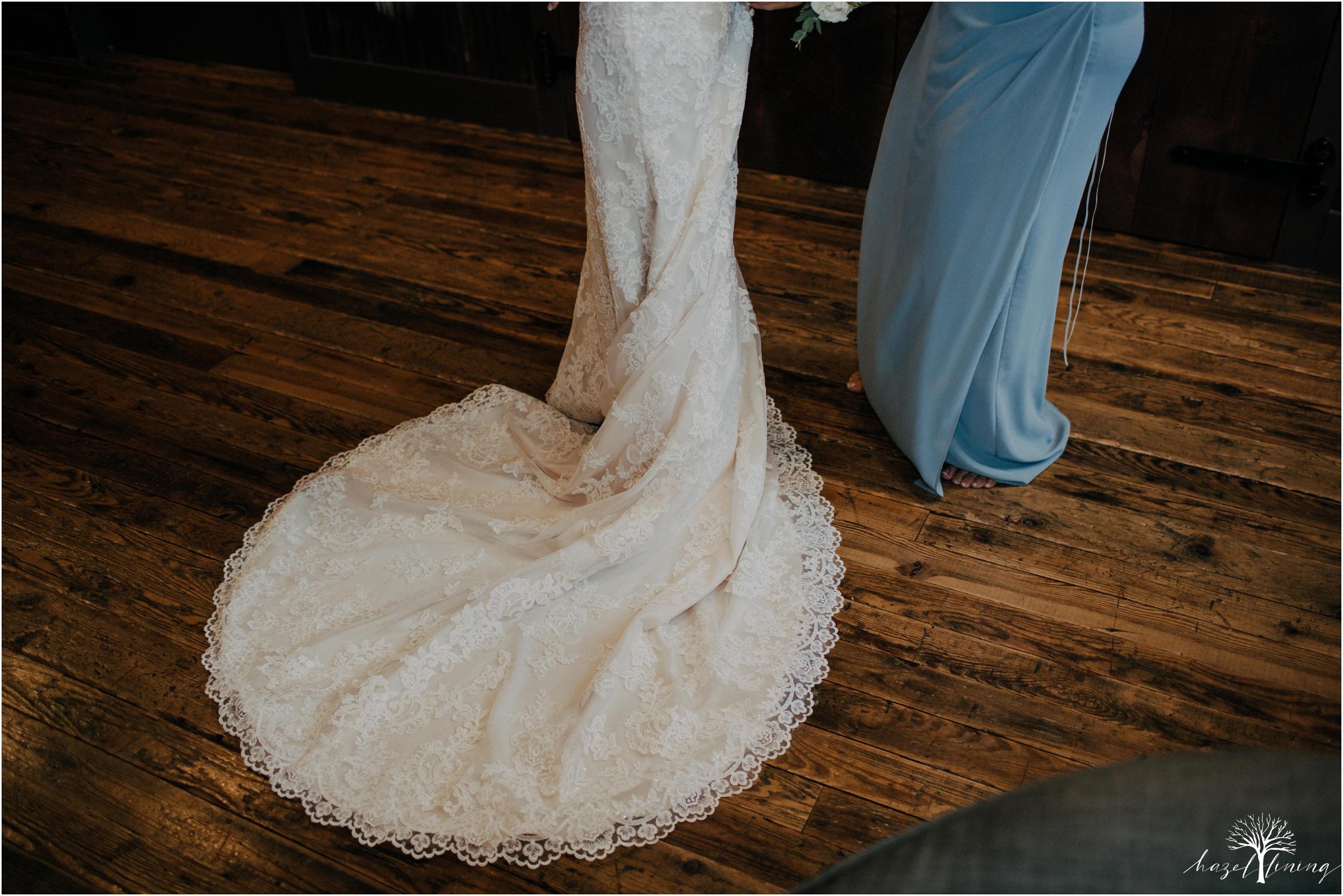 emma-matt-gehringer-the-booking-house-lancaster-manhiem-pennsylvania-winter-wedding_0014.jpg