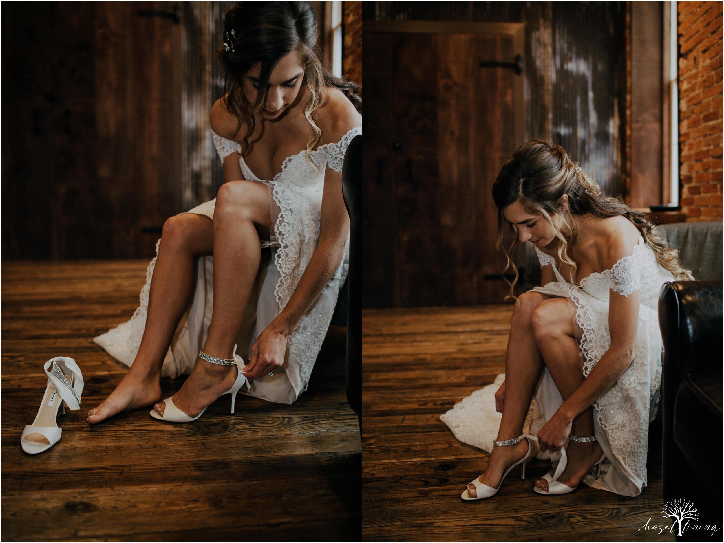 emma-matt-gehringer-the-booking-house-lancaster-manhiem-pennsylvania-winter-wedding_0020.jpg