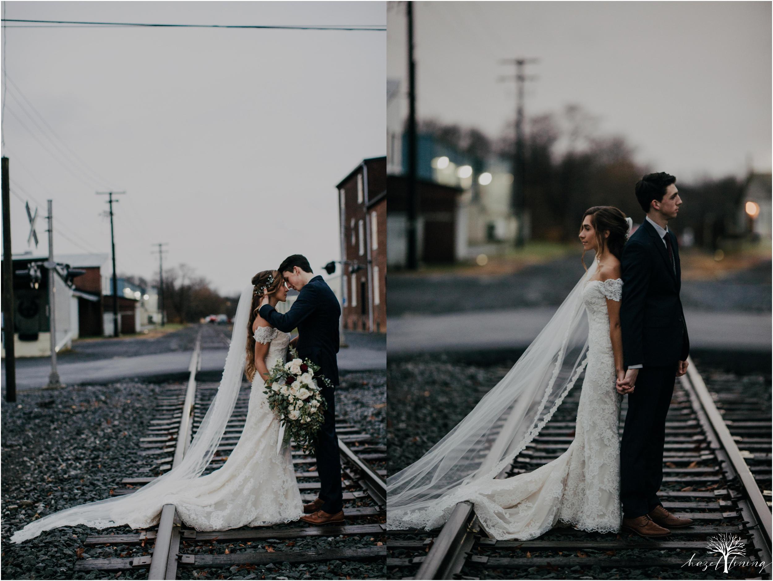 emma-matt-gehringer-the-booking-house-lancaster-manhiem-pennsylvania-winter-wedding_0111.jpg