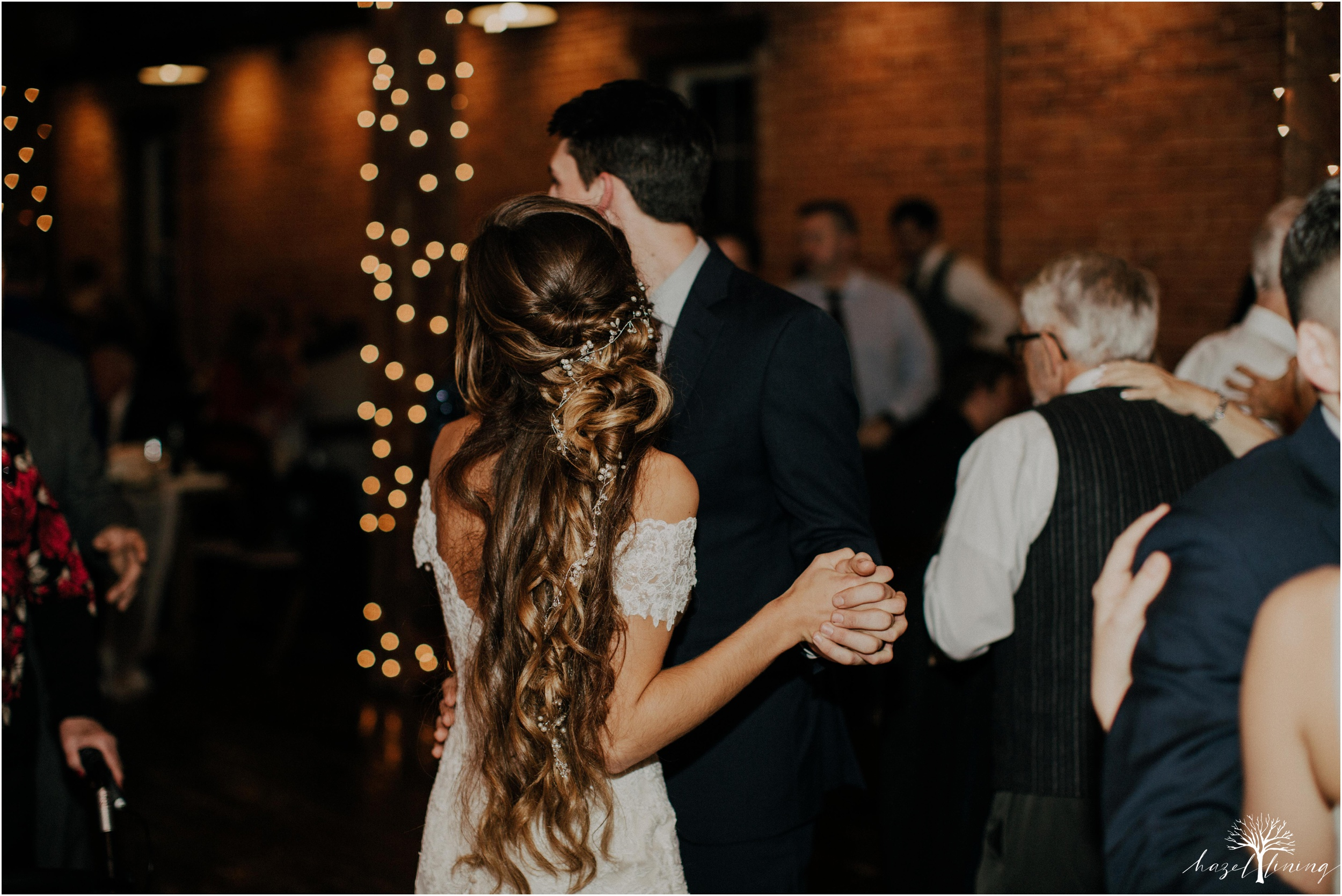emma-matt-gehringer-the-booking-house-lancaster-manhiem-pennsylvania-winter-wedding_0172.jpg