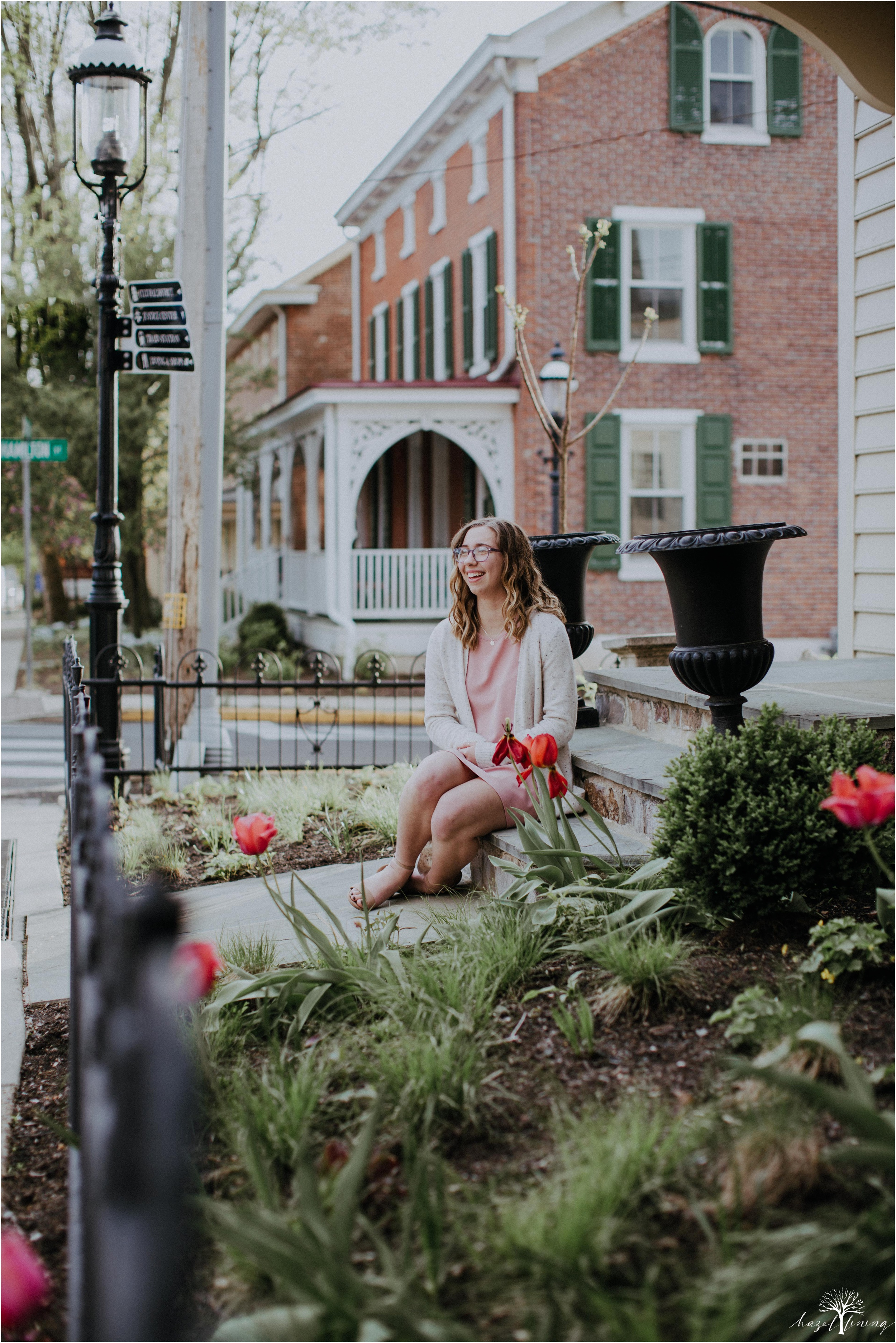 maddie-kiser-senior-portrait-session-doylestown-pennsylvania-spring-hazel-lining-photography-destination-elopement-wedding-engagement-photography-year-in-review_0005.jpg