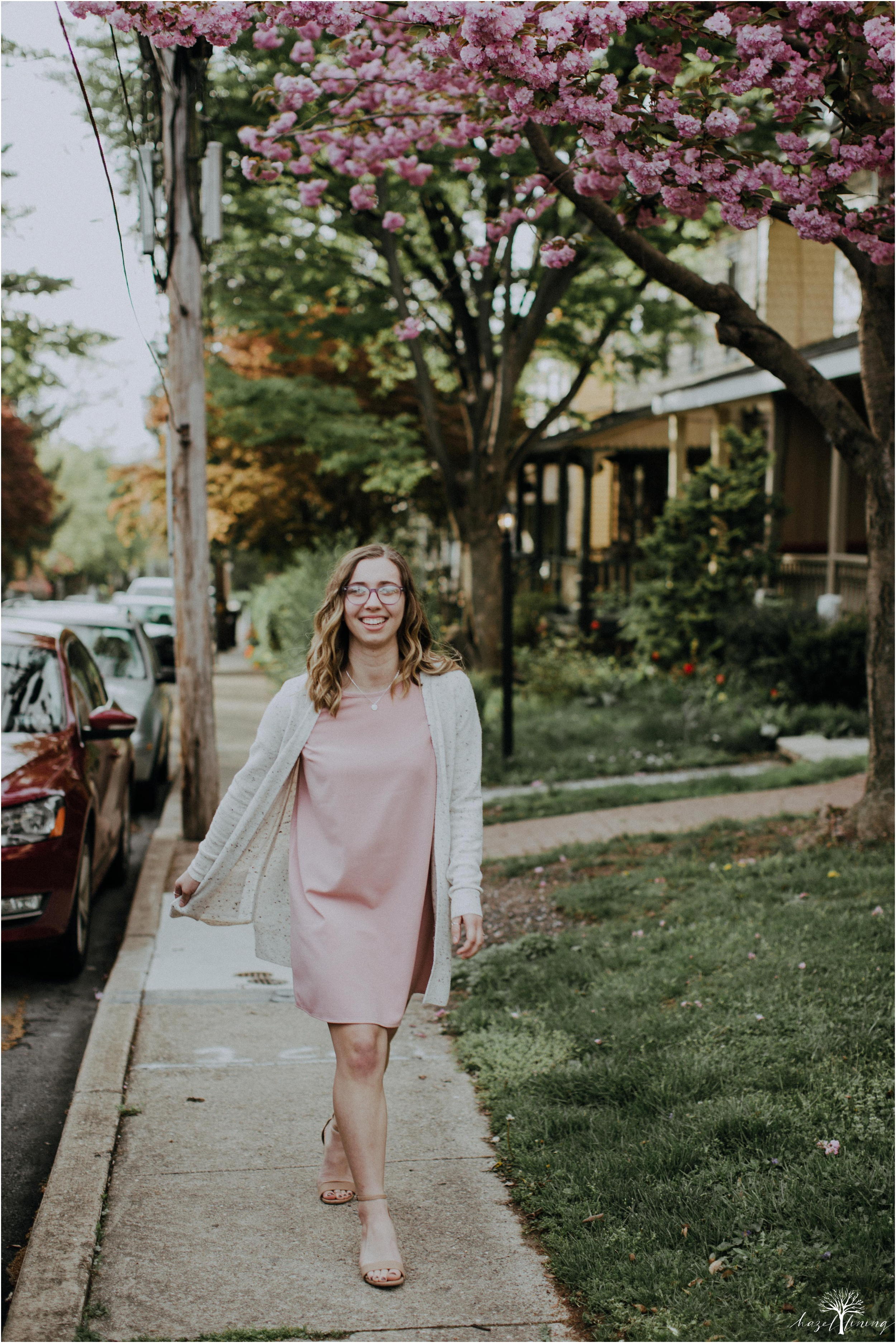 maddie-kiser-senior-portrait-session-doylestown-pennsylvania-spring-hazel-lining-photography-destination-elopement-wedding-engagement-photography-year-in-review_0006.jpg