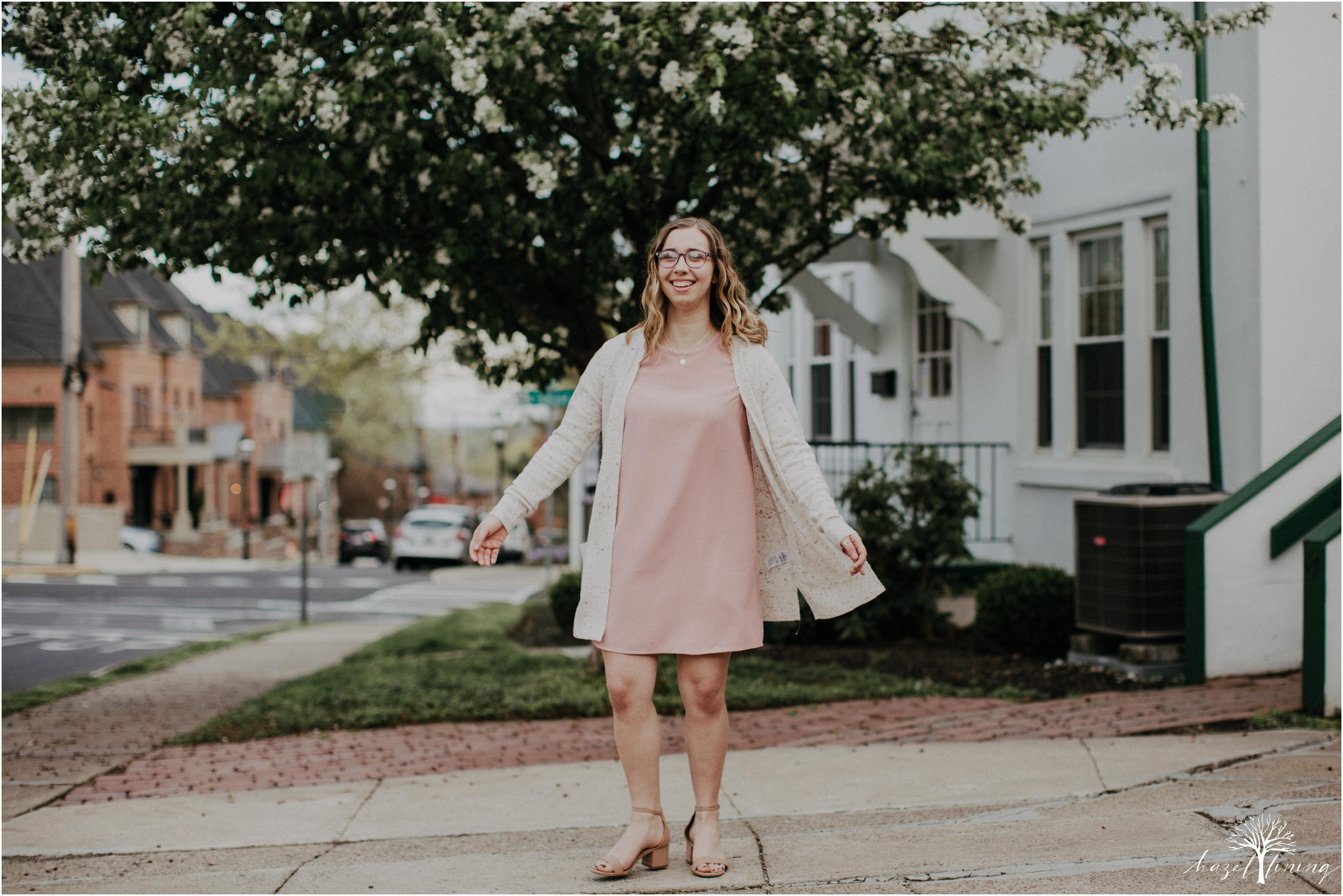 maddie-kiser-senior-portrait-session-doylestown-pennsylvania-spring-hazel-lining-photography-destination-elopement-wedding-engagement-photography-year-in-review_0033.jpg