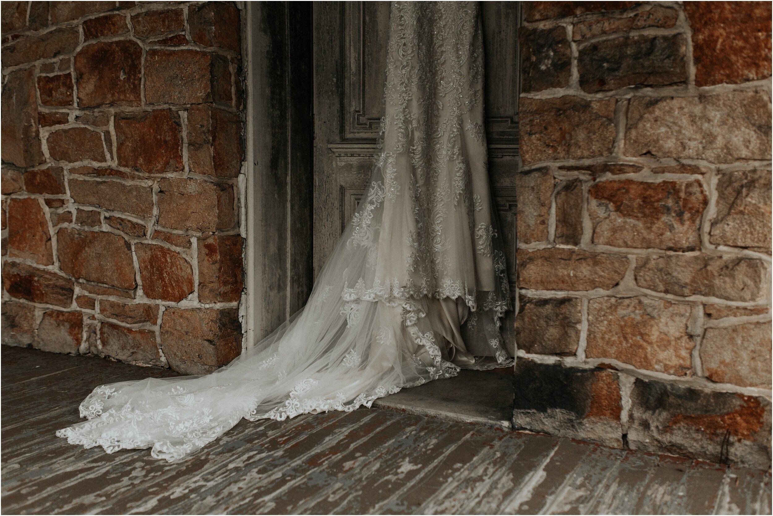 steph-and-jordan-cox-our-wedding-historic-shady-lane-compass-wedding-collective-hazel-lining-photography-destination-elopement-wedding-engagement-photography_0009.jpg