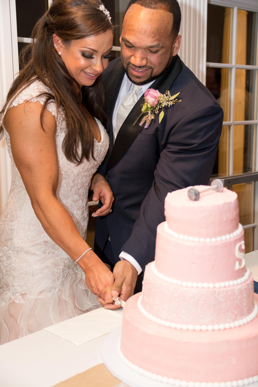 Springfield Manor Winery & Distillery Wedding Cake Cutting Photos