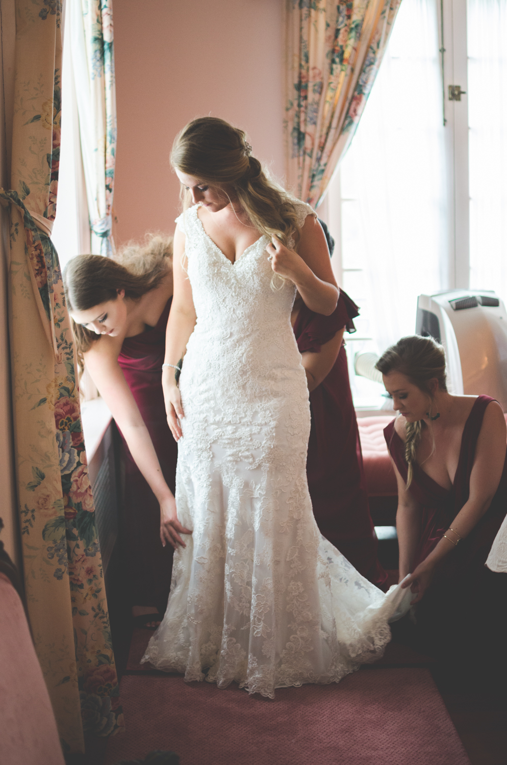 strong mansion wedding bride getting ready photo