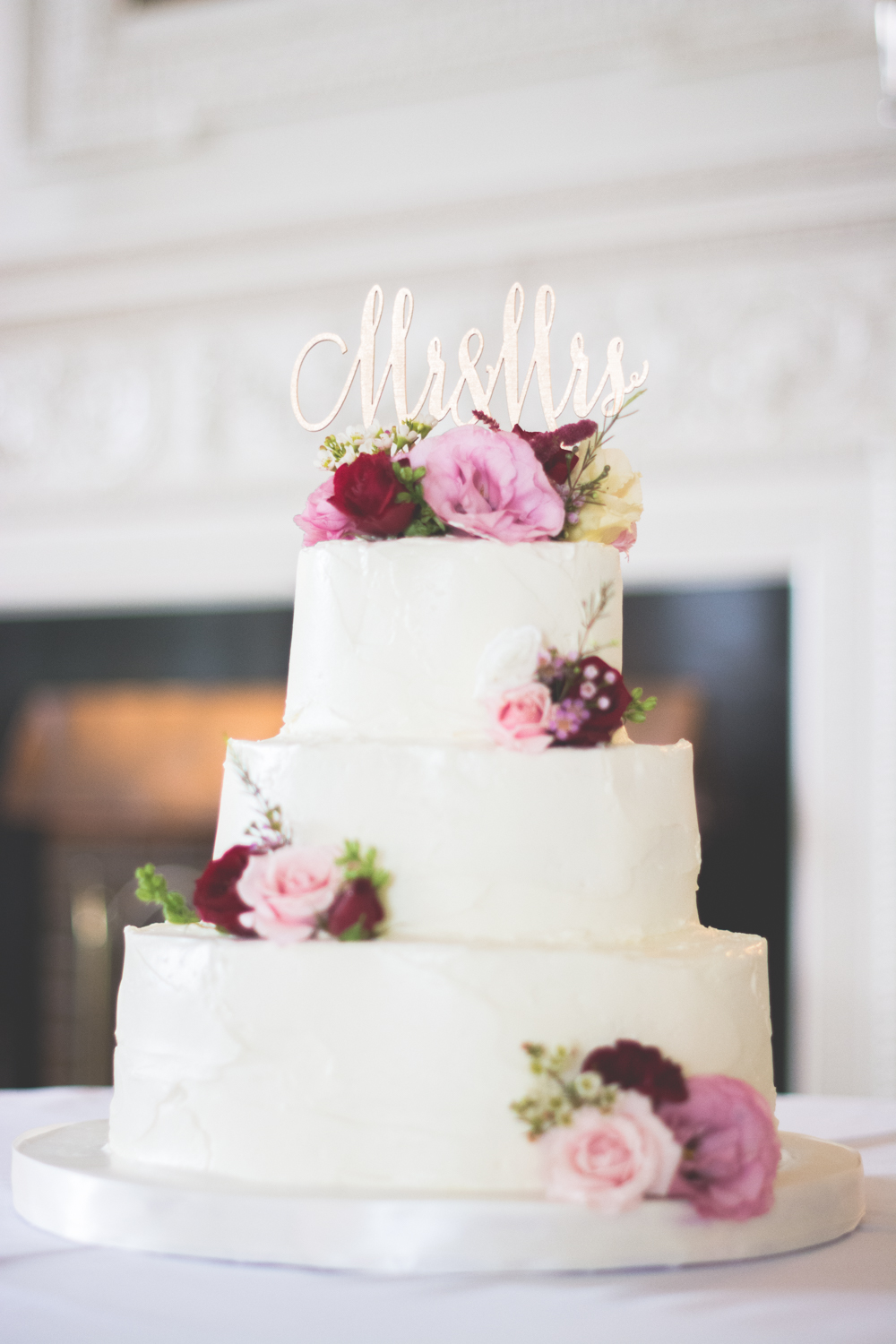 strong manor wedding cake photo