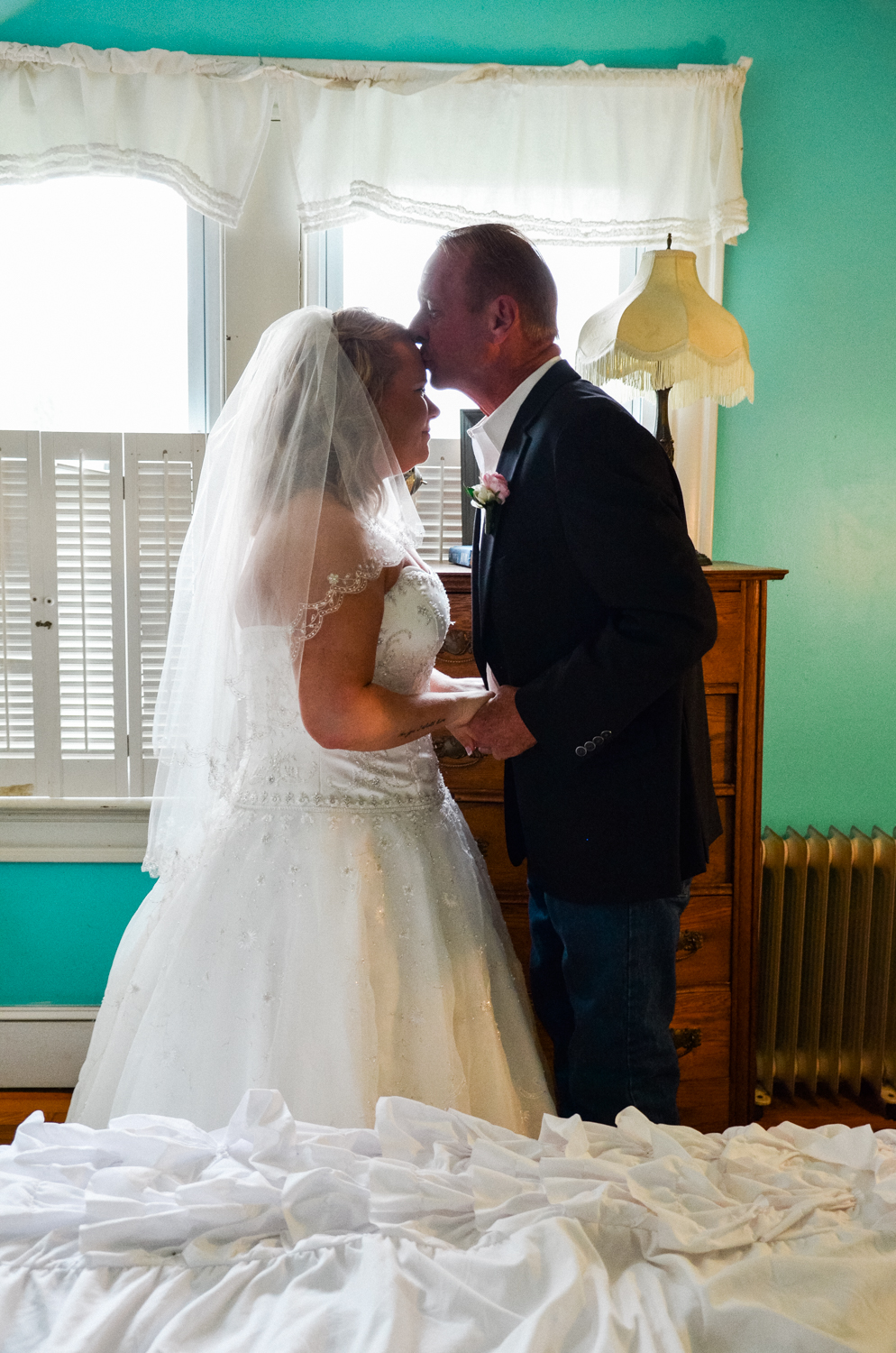 father and daughter first look photo