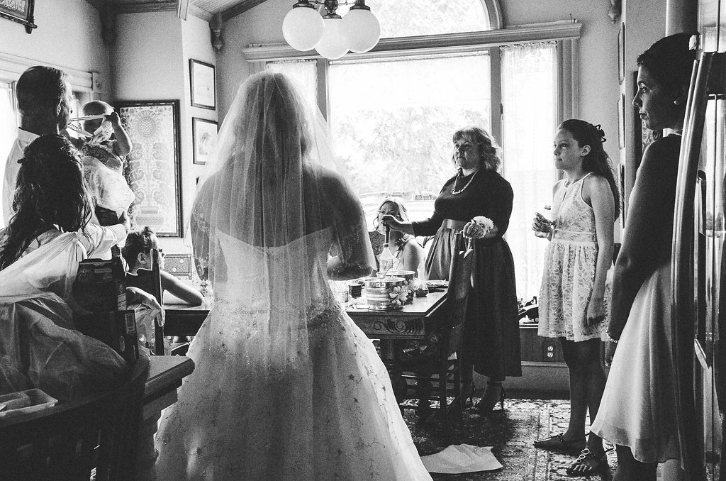 bride and family getting ready photo