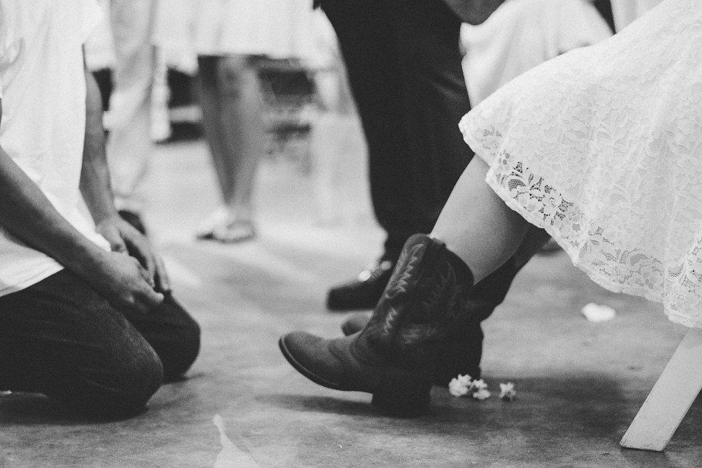 wedding reception garter photo