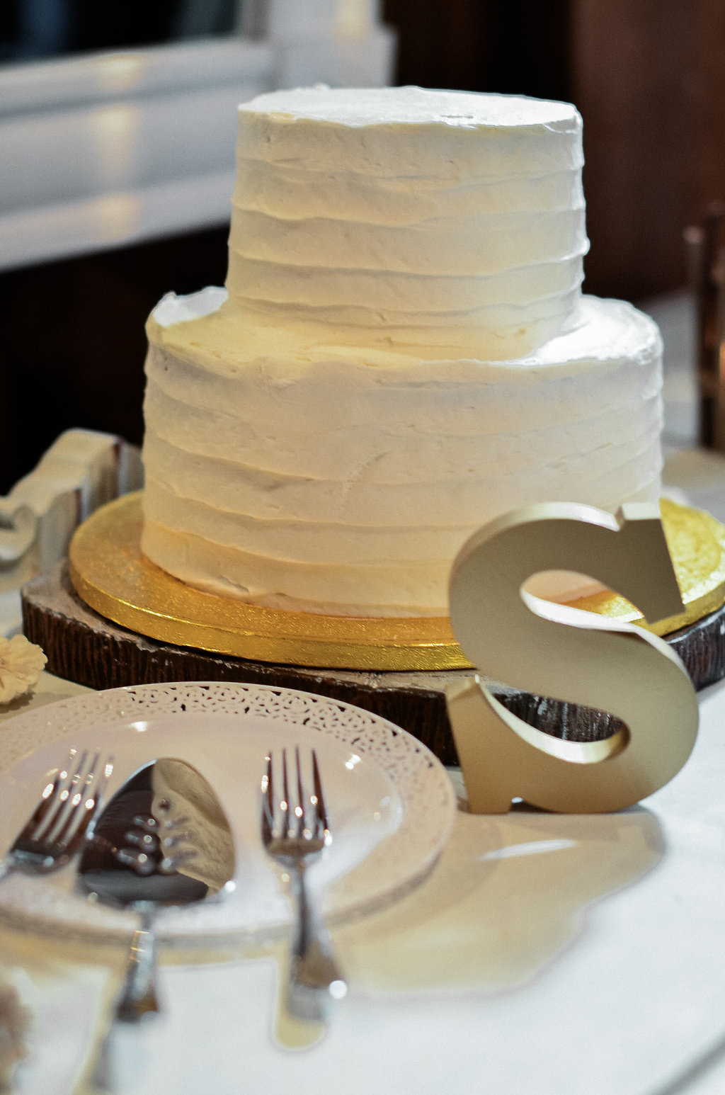 rustic wedding cake photo