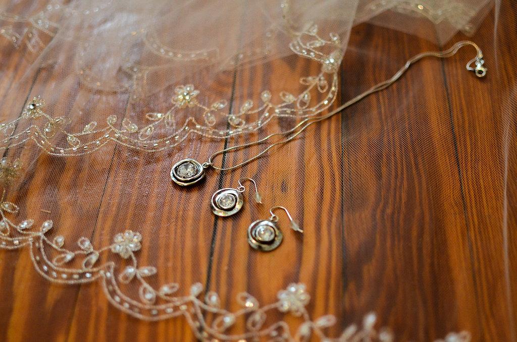 bride details wedding photo
