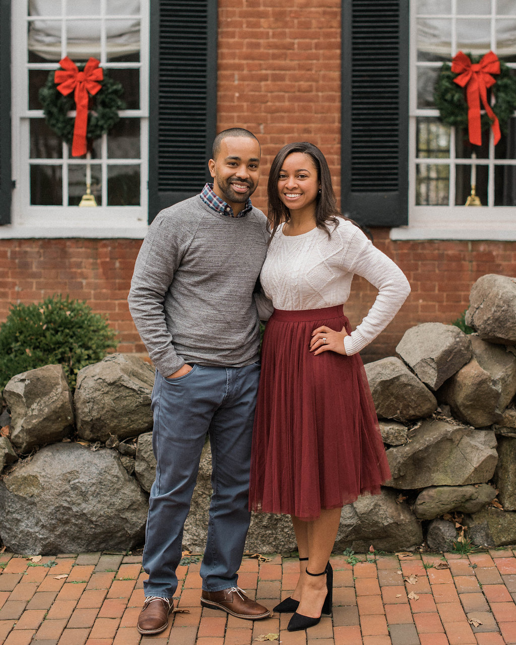 old town leesburg engagement photo