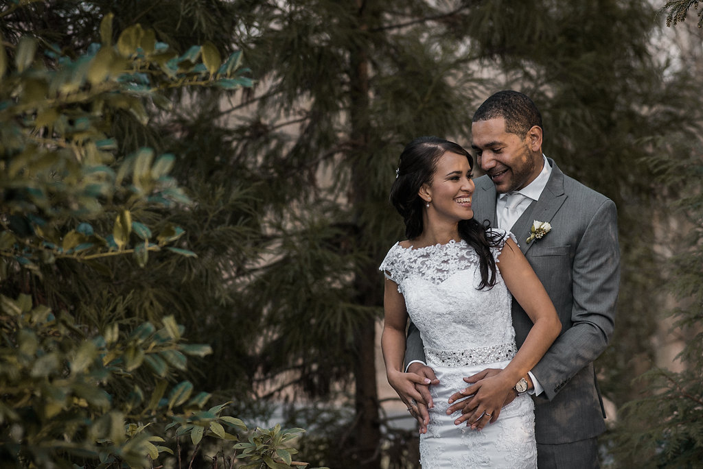 bride and groom portrait at ceresville mansion photo