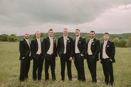 groom+and+groomsmen+photo.jpg